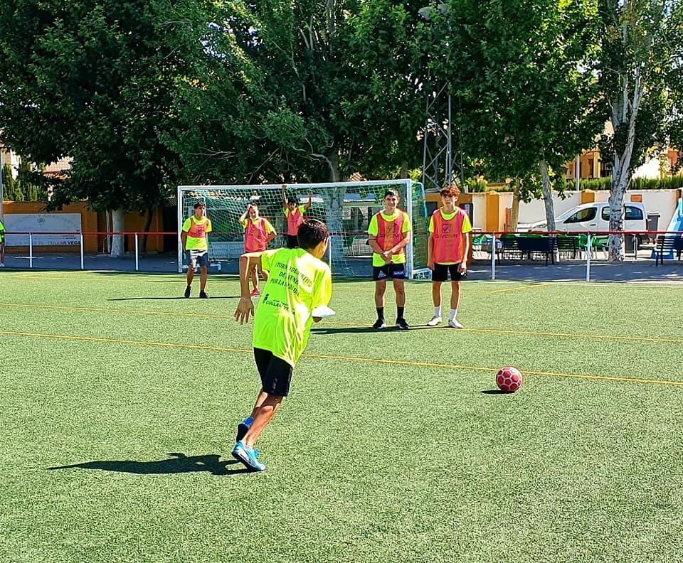 Más de 70 deportistas participan en el I torneo deportivo 'Jóvenes por la Igualdad' en Cúllar Vega
