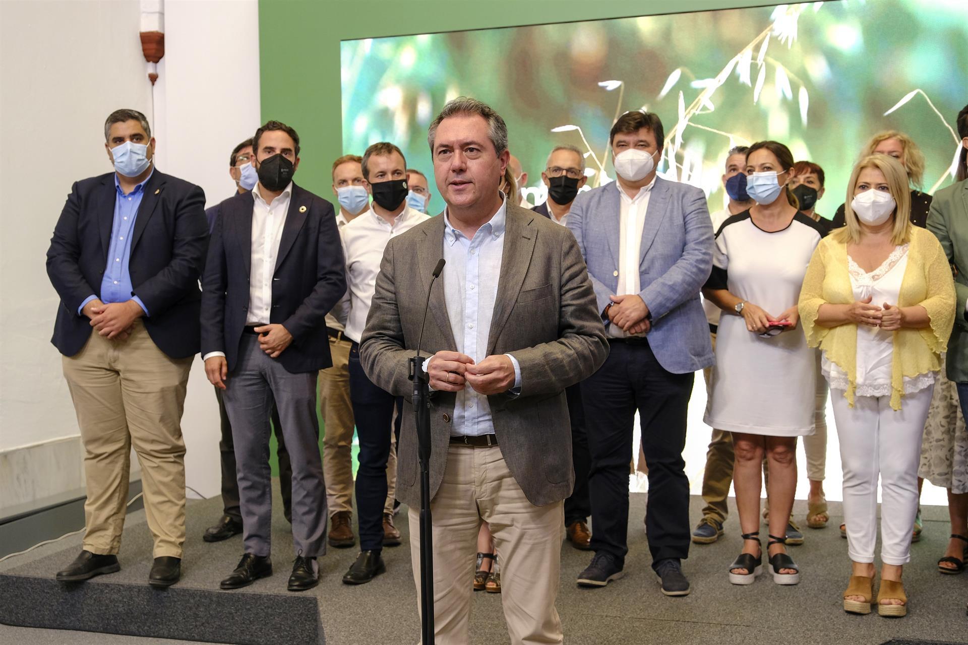Espadas augura un peso «muy fuerte» del municipalismo en la Ejecutiva del PSOE-A en cuya «redefinición» ya trabaja