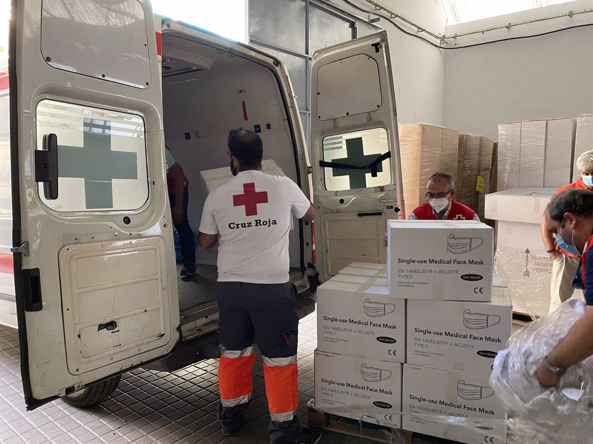 El Gobierno reparte 366.0000 mascarillas a personal de servicios esenciales y colectivos vulnerables