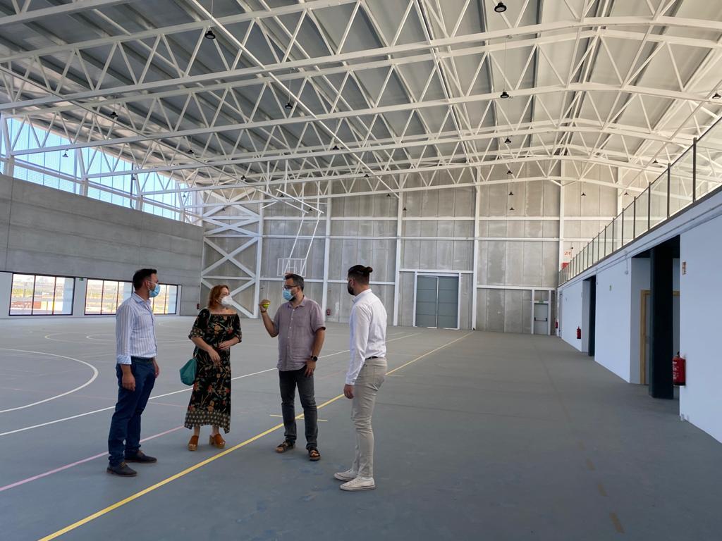 Vegas del Genil presenta su nuevo pabellón multideportivo cubierto