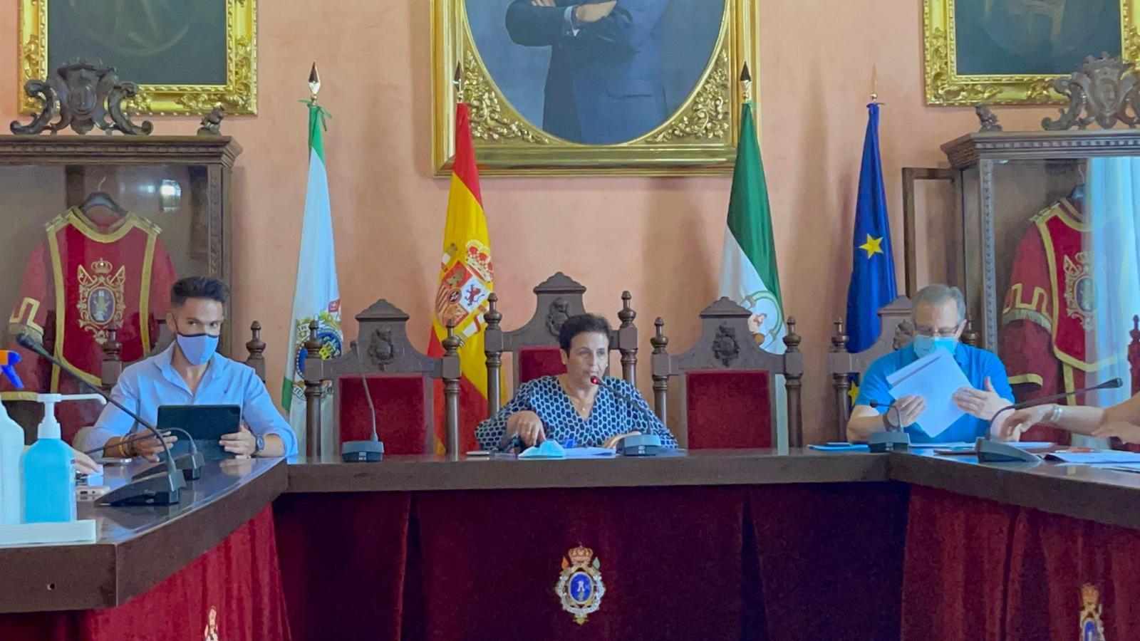 La alcaldesa de Huéscar (PP) dimite para ceder el puesto al portavoz de Cs para cumplir el pacto de 2+2