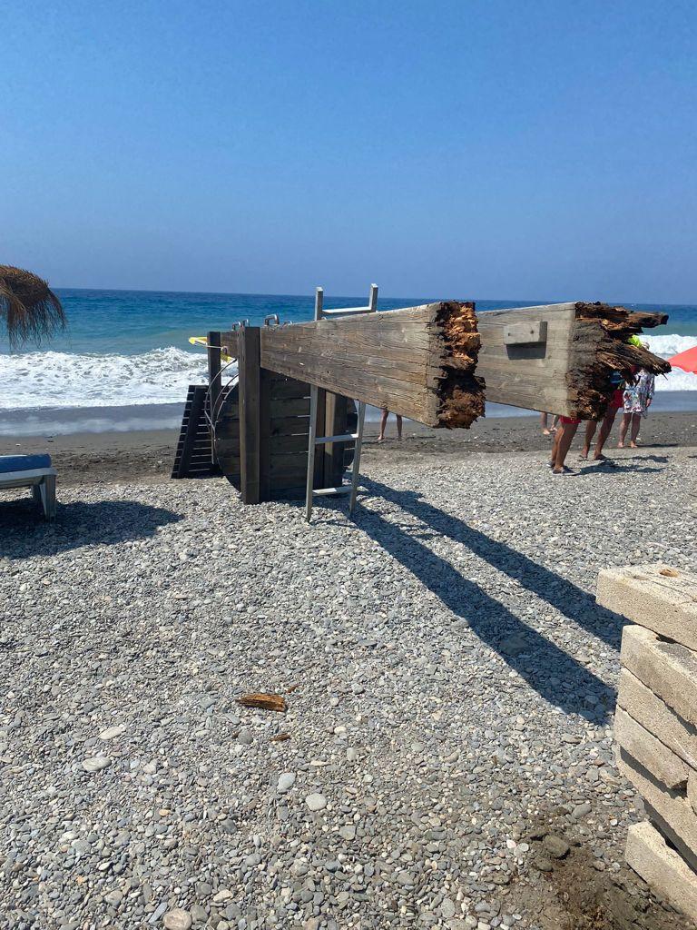 IU-Equo reclama al gobierno local que lleve a cabo mejoras en el mantenimiento de las instalaciones de las playas de Motril