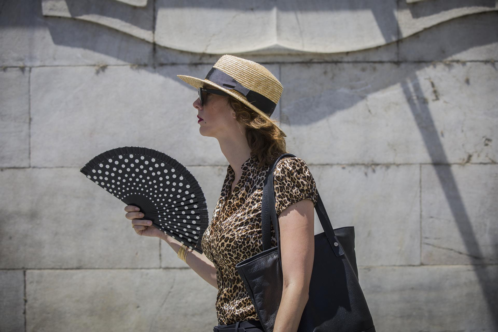 Aviso amarillo este lunes en Sevilla, Córdoba, Granada y Jaén por temperaturas de hasta 40 grados