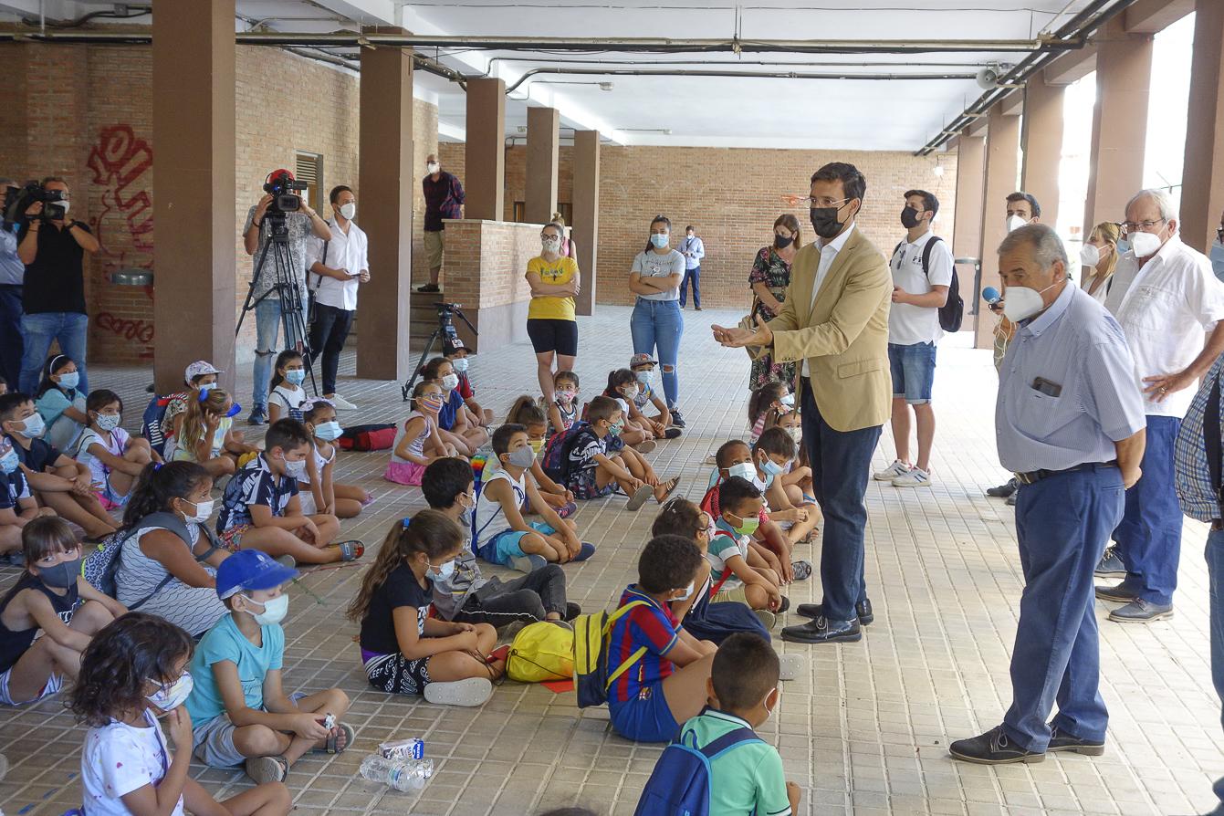 Más de 300 menores participan en el programa solidario escuela de verano de la zona Norte