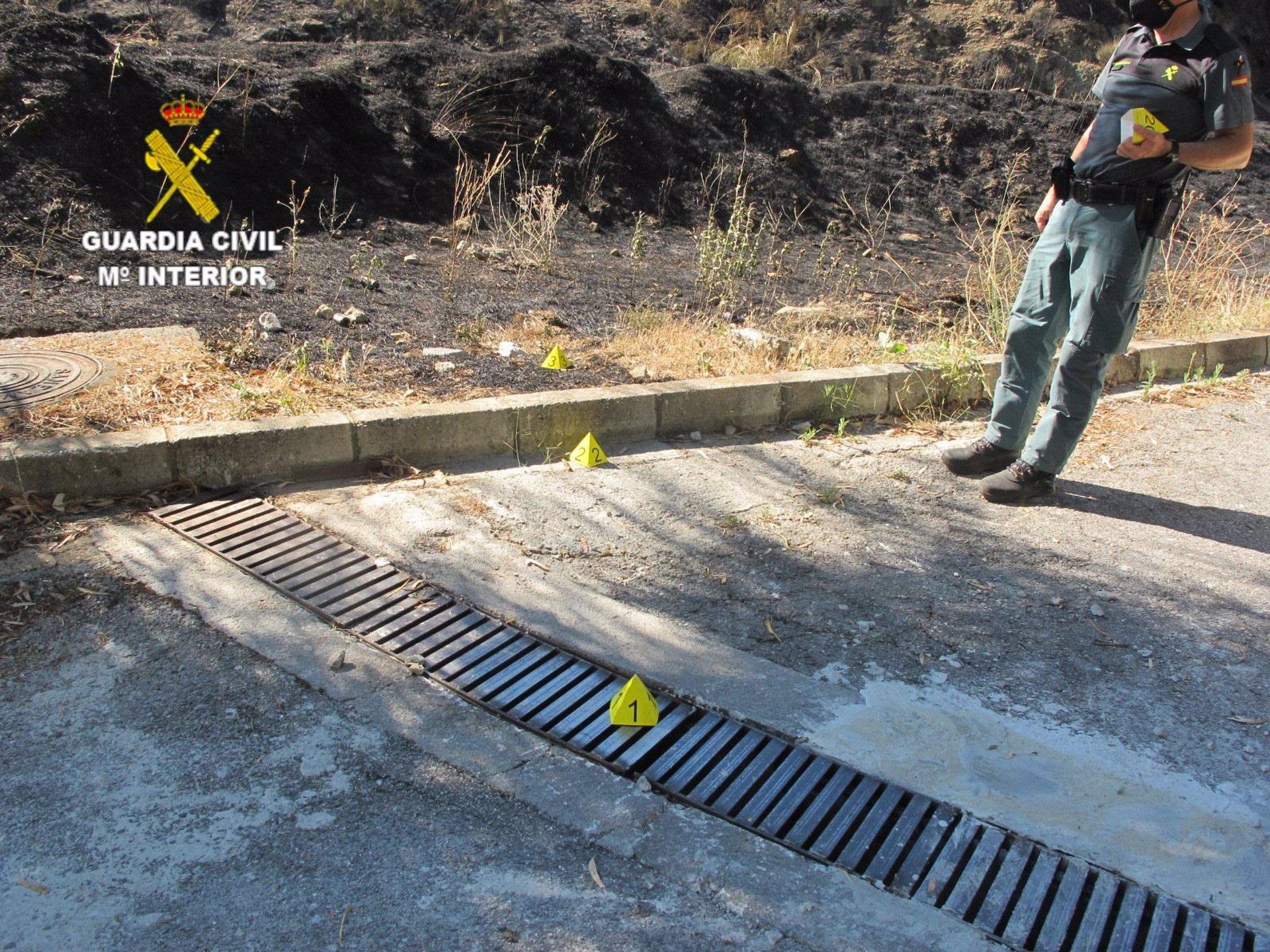La Guardia Civil investiga a una personacomo autor de un incendio forestal mientras trabajaba con una radial