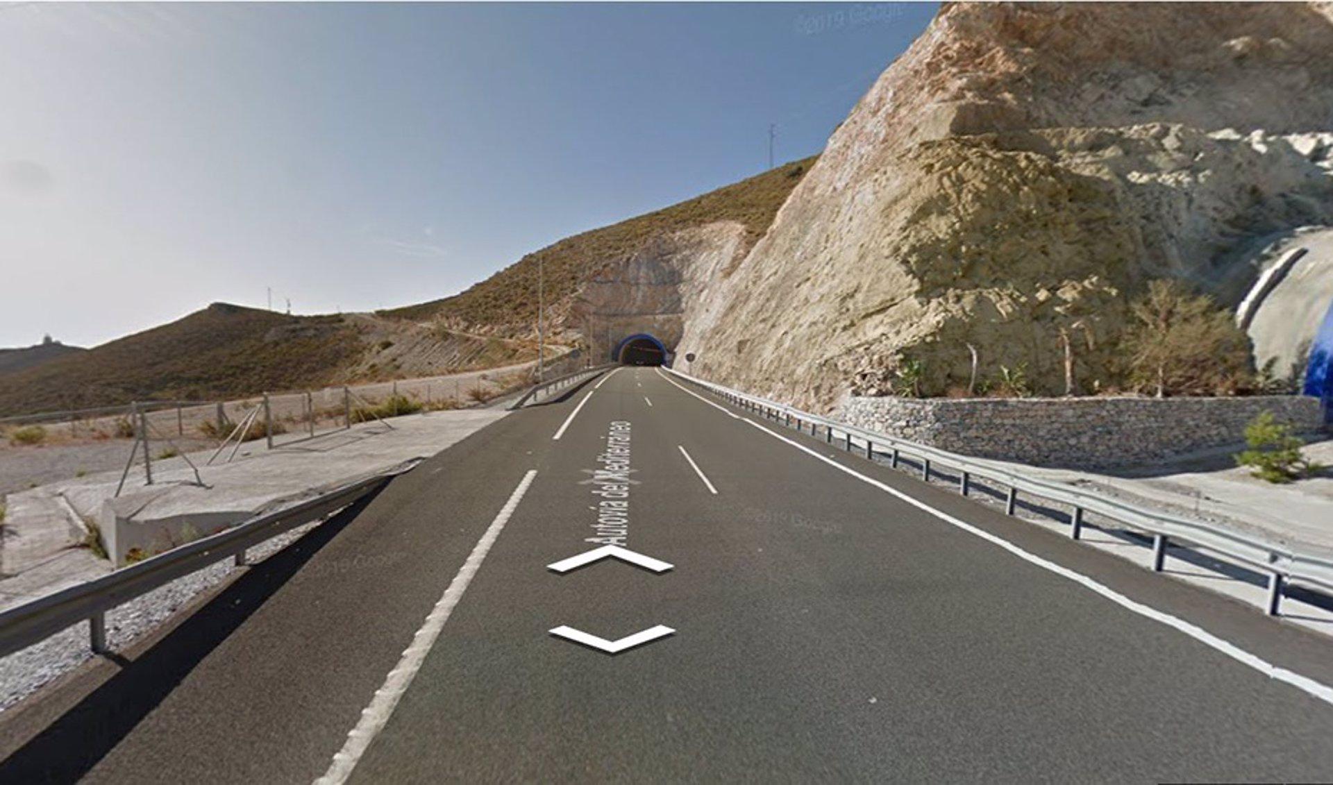 Muere un motorista en la A-7 a la salida de un túnel en Gualchos