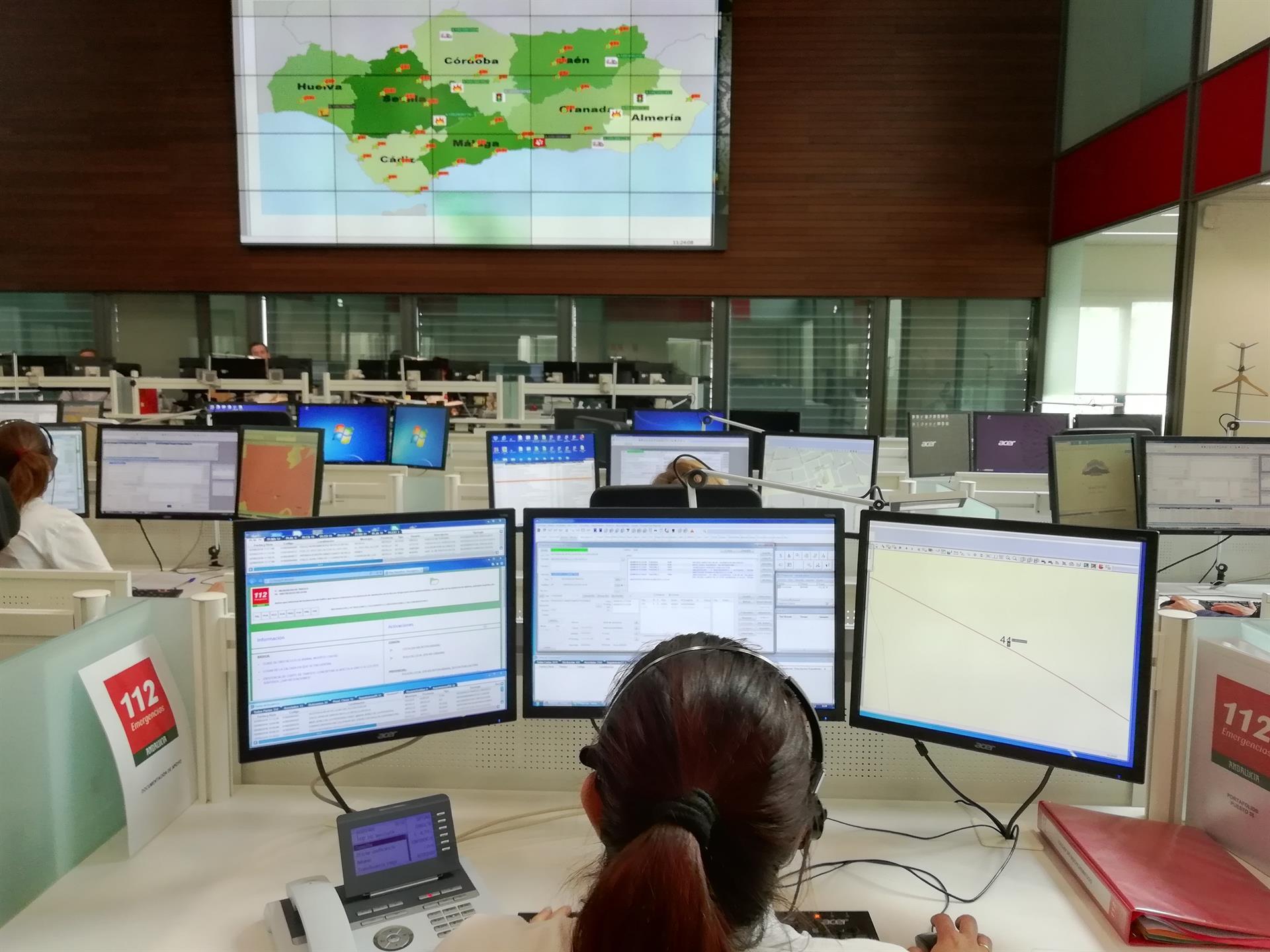 El 112 atiende 6.100 incidencias en Andalucía durante la primera fase de la operación salida de julio