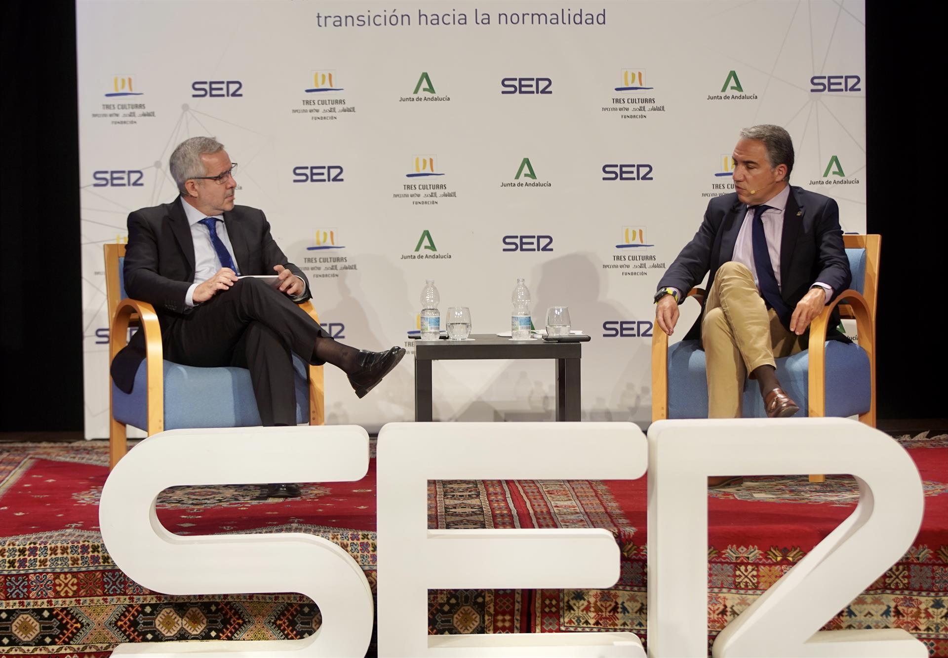 Junta pide al Gobierno central «plantarse» ante la UE para que el ritmo de vacunas no se reduzca a la mitad