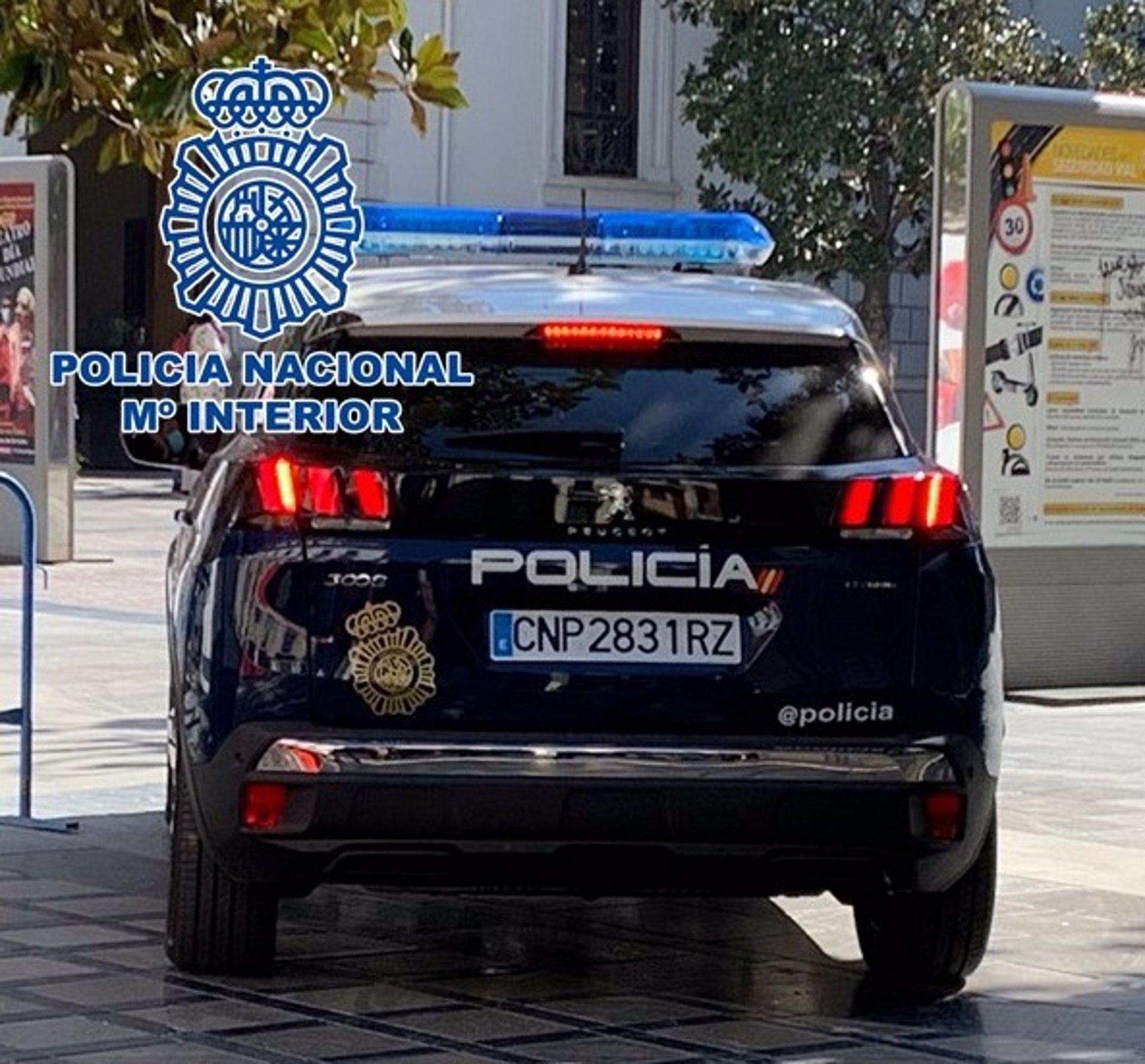 Detenidos por robar en un piso del centro de Granada mientras la inquilina dormía