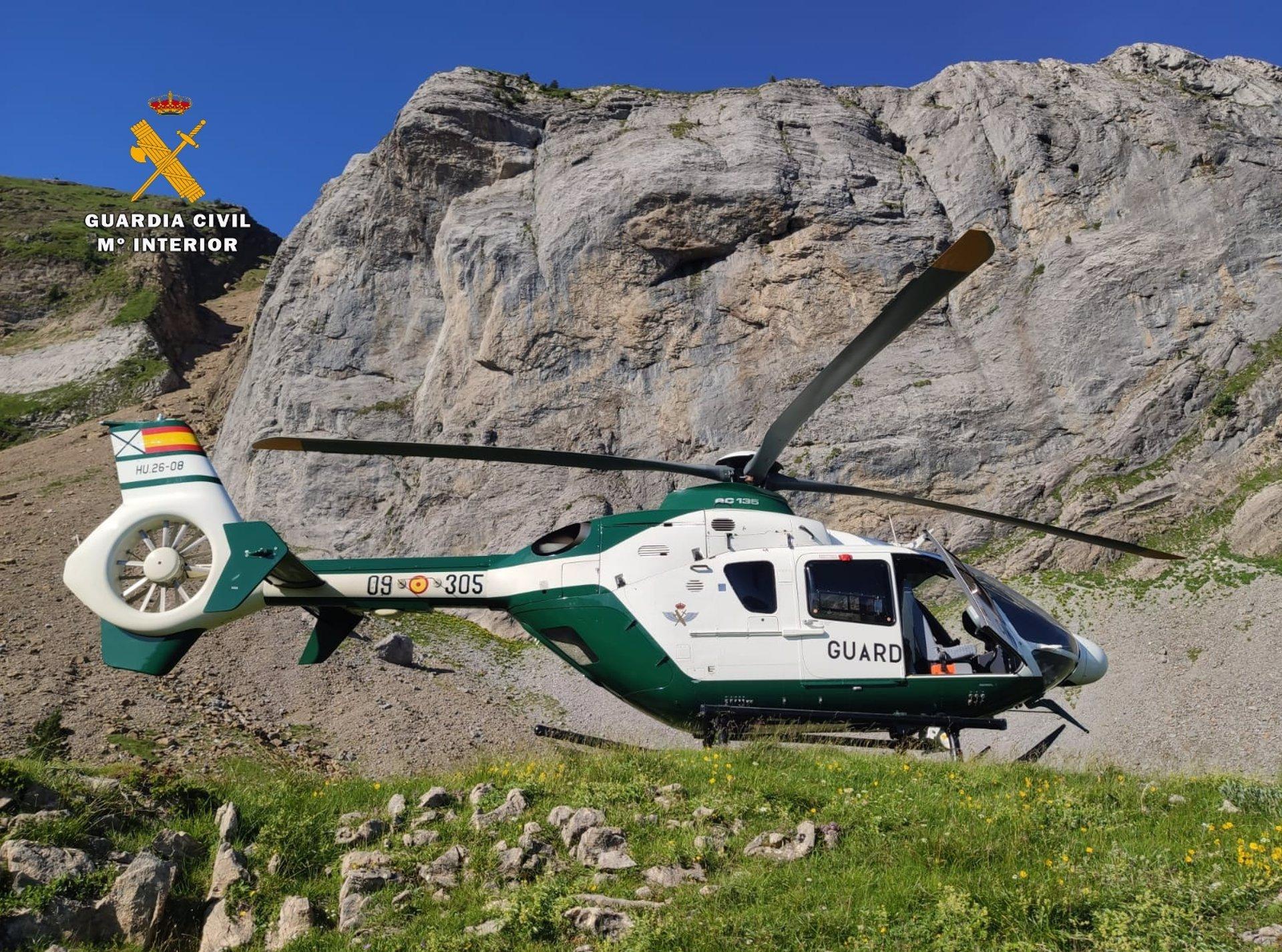 Rescatada y trasladada al hospital en helicóptero una senderista con mal de altura en Capileira