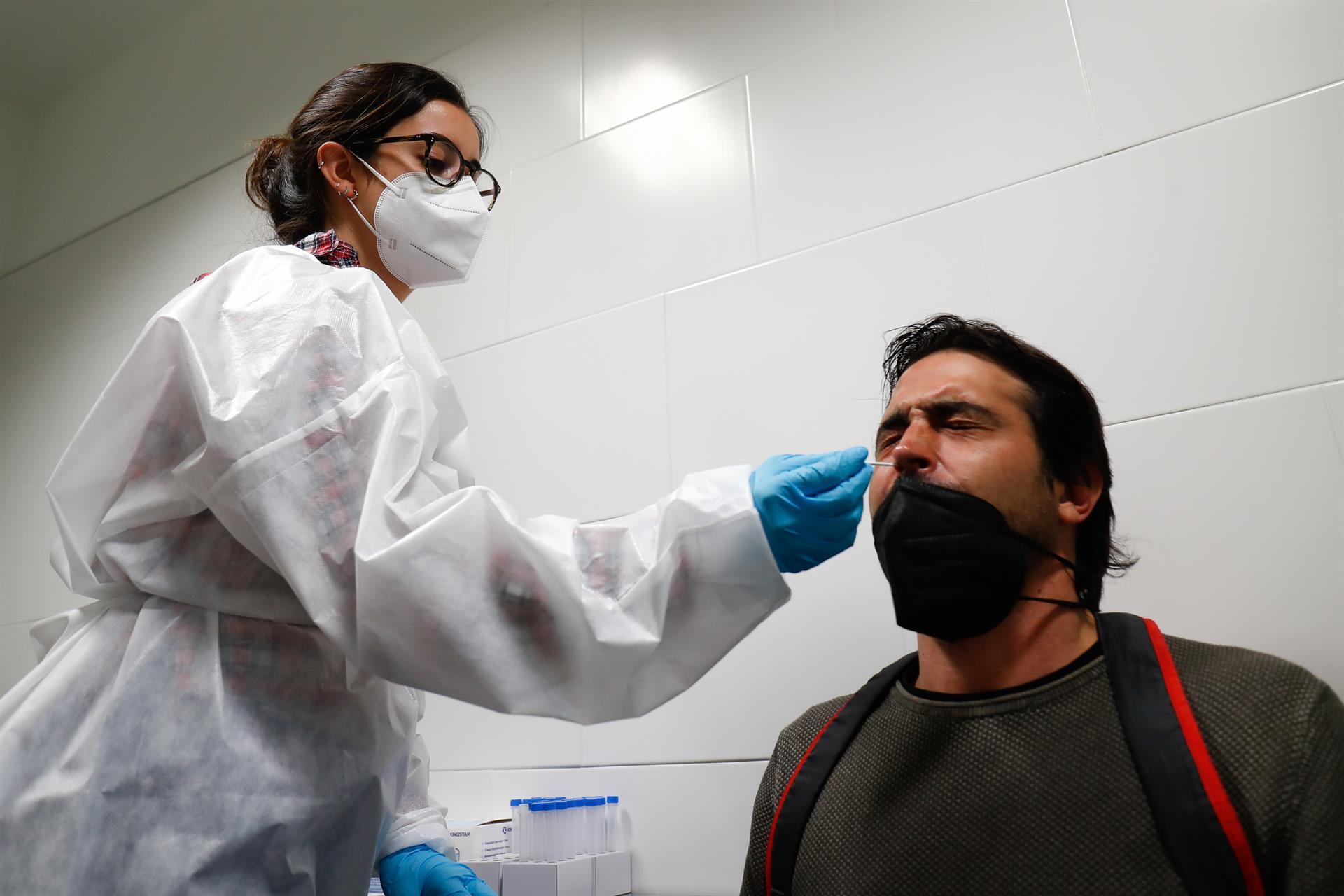 Andalucía roza una tasa de 500 cinco meses después, suma seis muertos y 5.318 casos