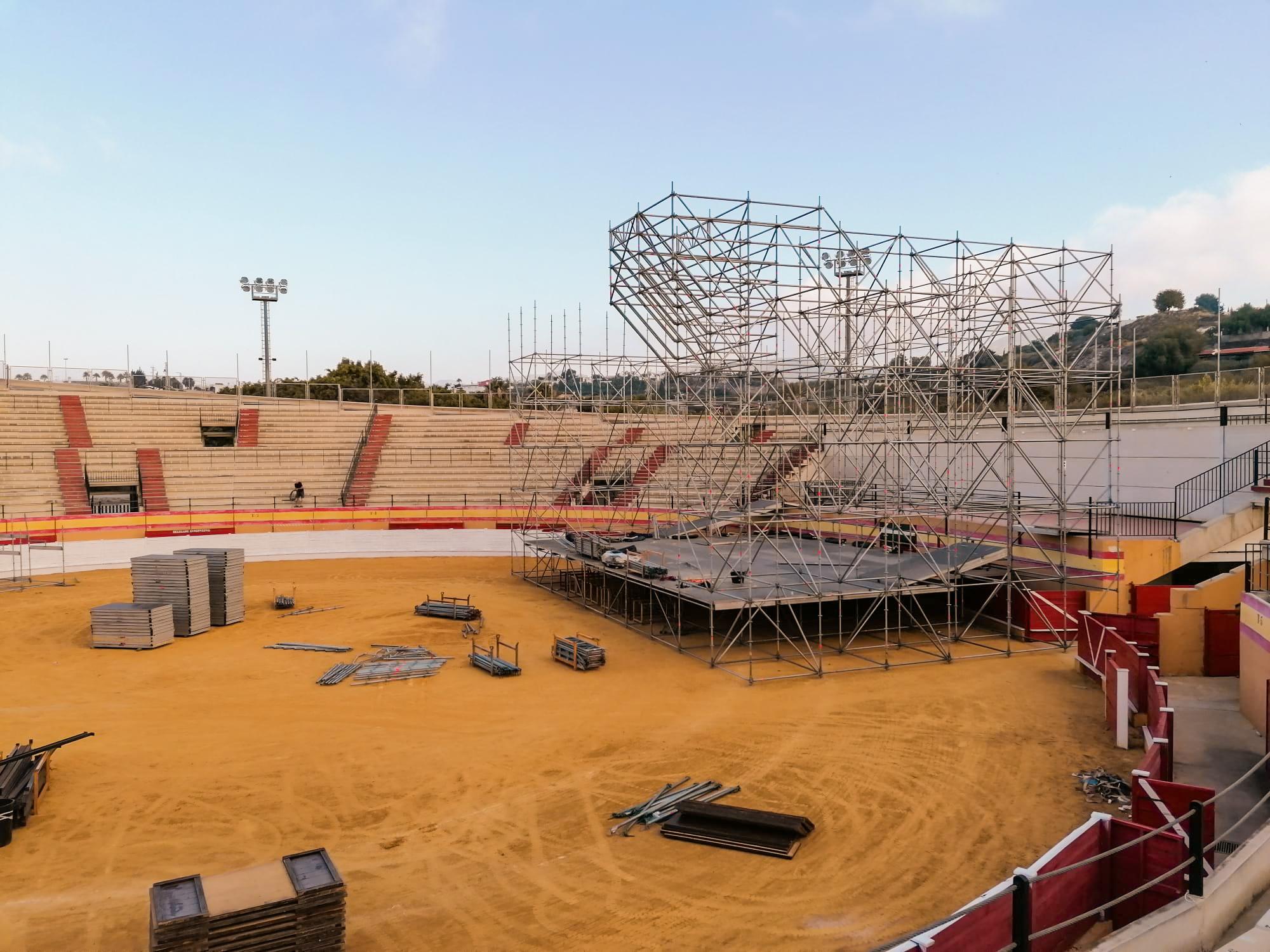 Avanza el montaje del recinto para el ciclo de conciertos de Motril en Vivo