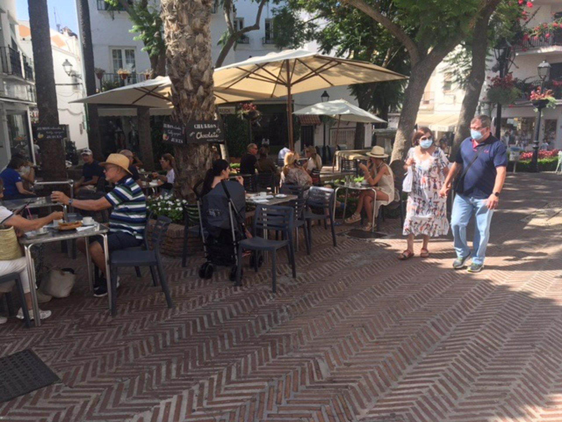 Marbella, Estepona (Málaga) y Montoro (Córdoba) superan la tasa 1.000 a horas de la revisión de medidas