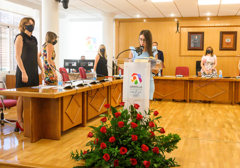 Isabel Fernández toma posesión como nueva concejala del grupo municipal socialista en Armilla