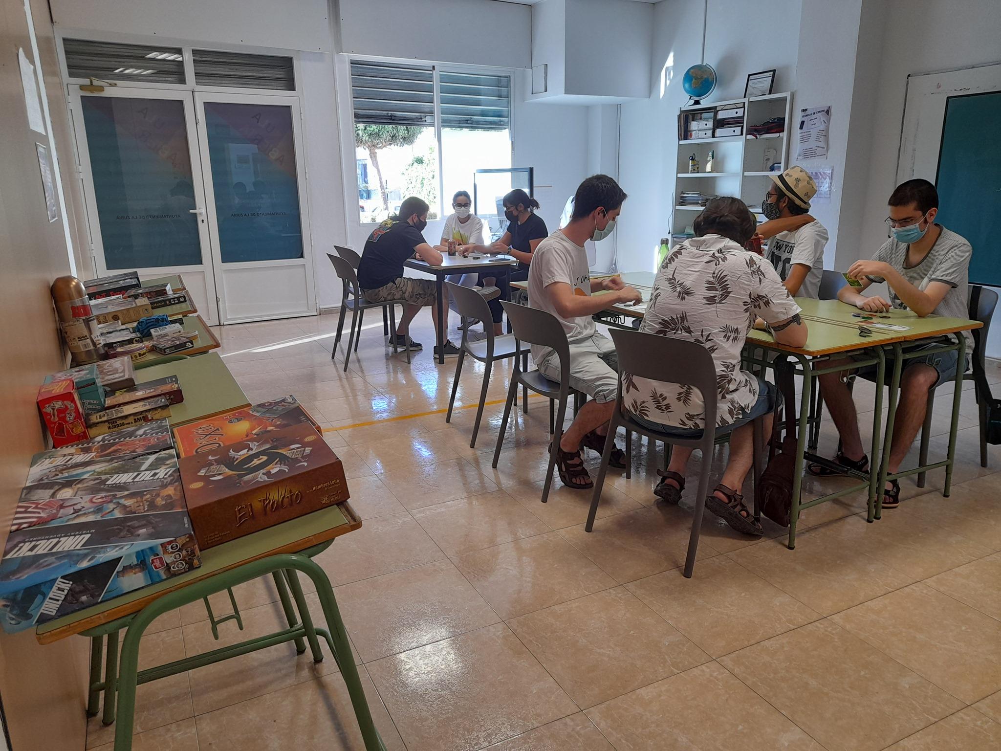 La Zubia promociona los juegos de mesa entre sus jóvenes para que socialicen y como alternativa de ocio saludable