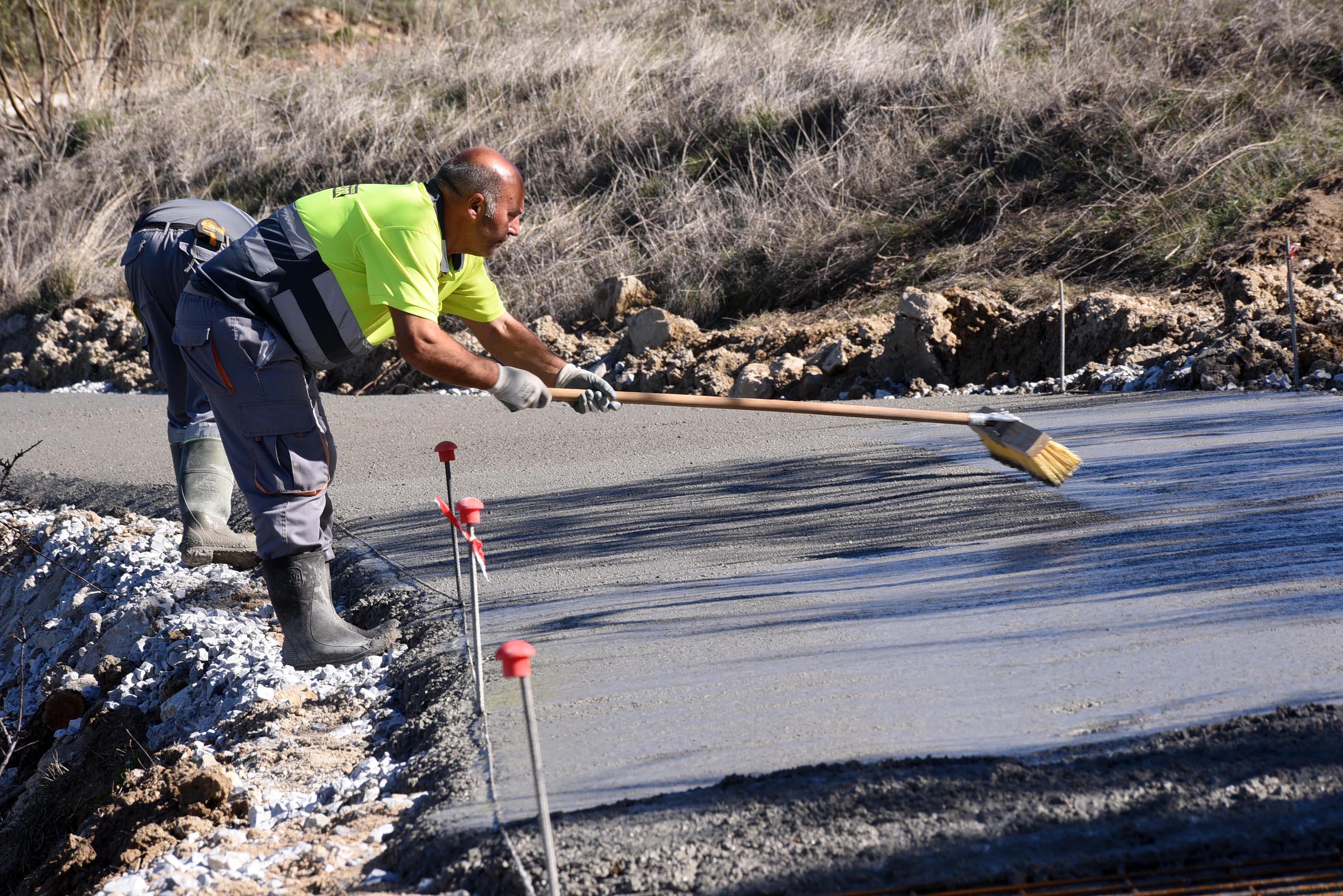 Diputación destina 2 millones de euros a la mejora de los caminos entre los pequeños núcleos de población de los municipios