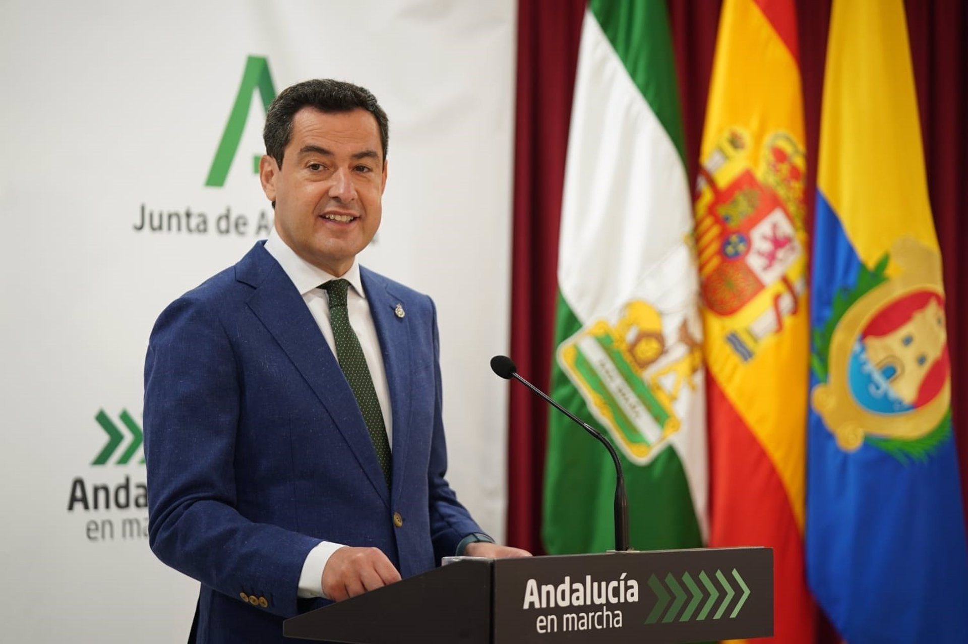 Moreno critica que PSOE-A «quiera limitar la autonomía de Andalucía» para «volver a poner el impuesto de sucesiones»