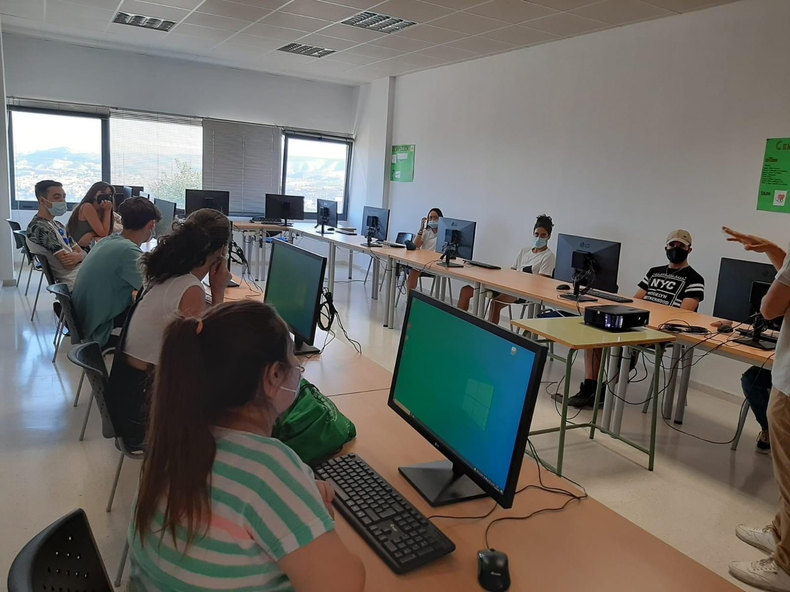 Monachil impartirá 21 titulaciones e en su centro de formación profesional para el empleo