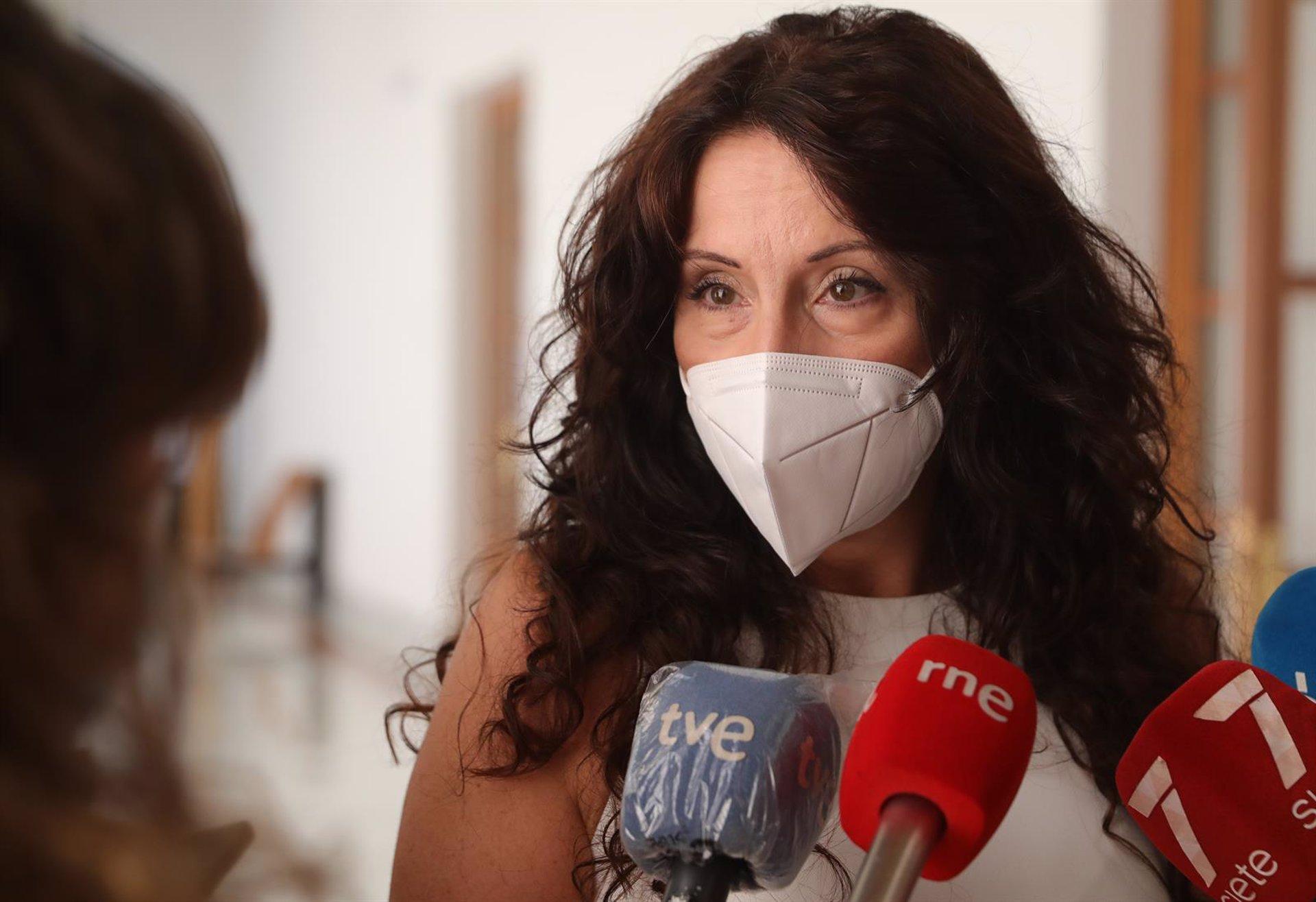 La Junta resalta que no vetó el espectáculo de Baza y que informó sobre derechos de personas con acondroplasia