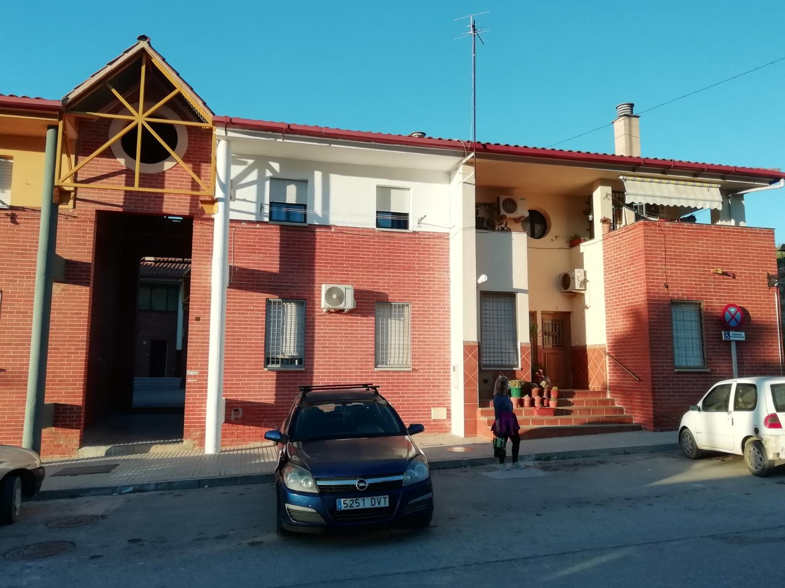 Fomento licita las obras de eficiencia energética en 61 viviendas de avenida de Andalucía, en Loja