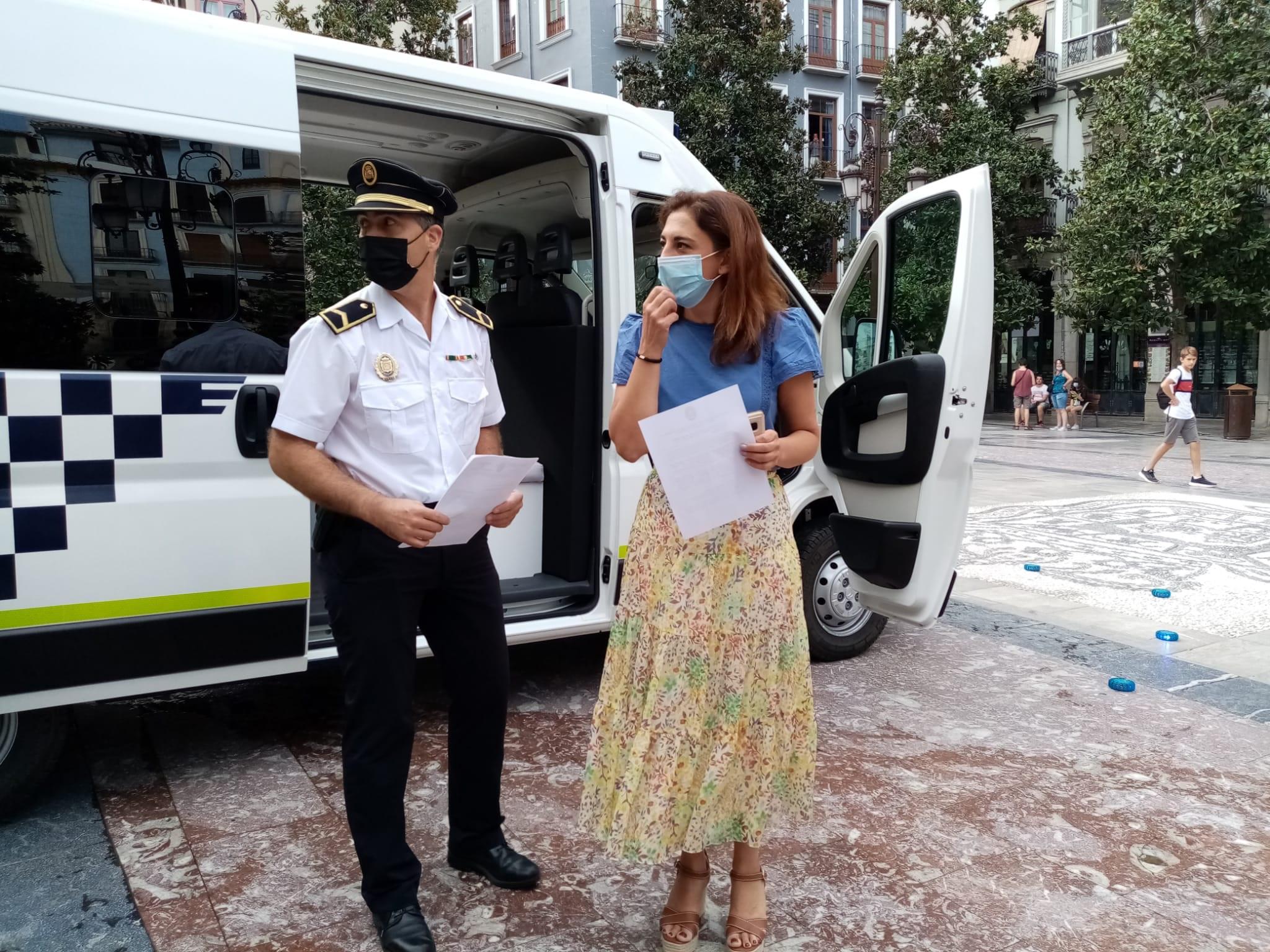 La policía local de Granada dispondrá de una oficina móvil de atestados digitalizada