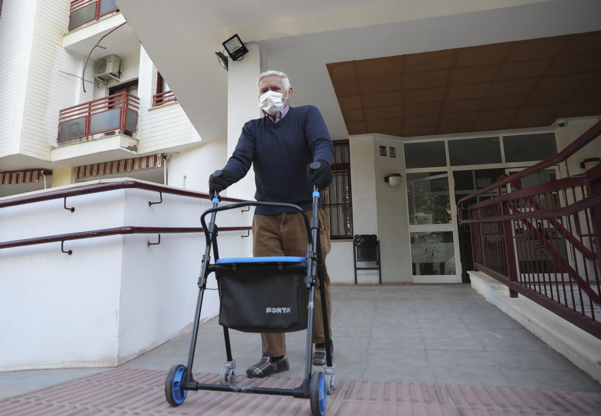Las residencias andaluzas suman 195 residentes contagiados y nueve hospitalizados en la última semana