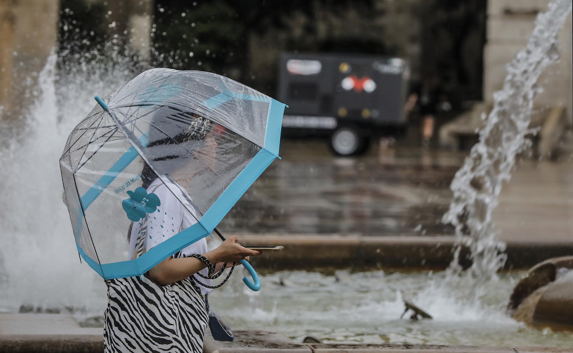 Aviso amarillo por tormentas este lunes en Granada y Almería