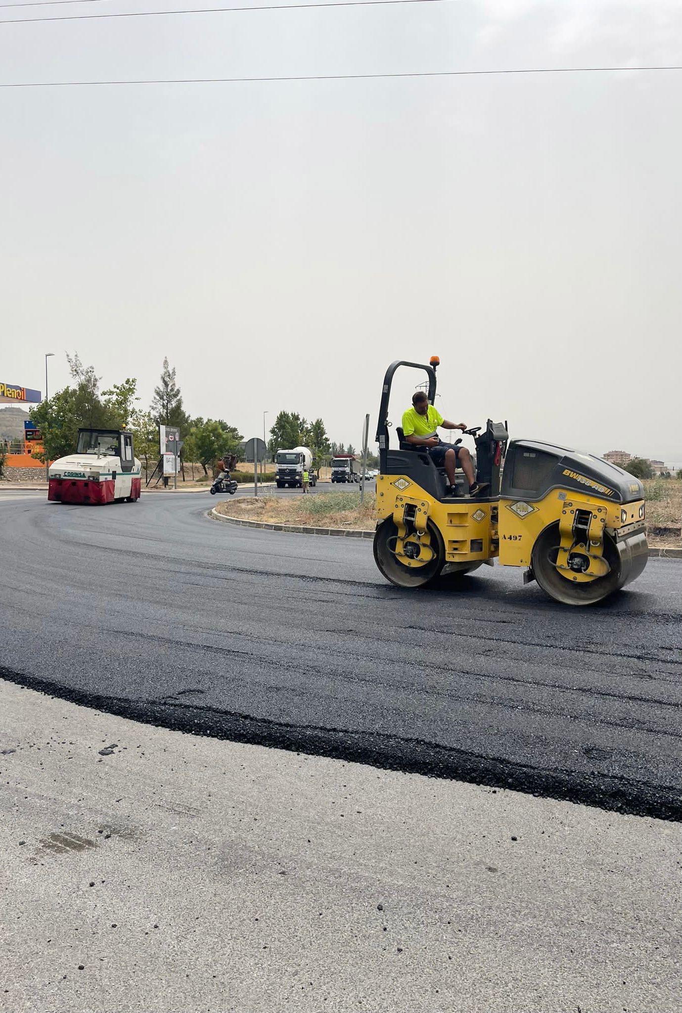 Invierten 360.000 euros en el asfaltado y mejora de la carretera de Alfacar
