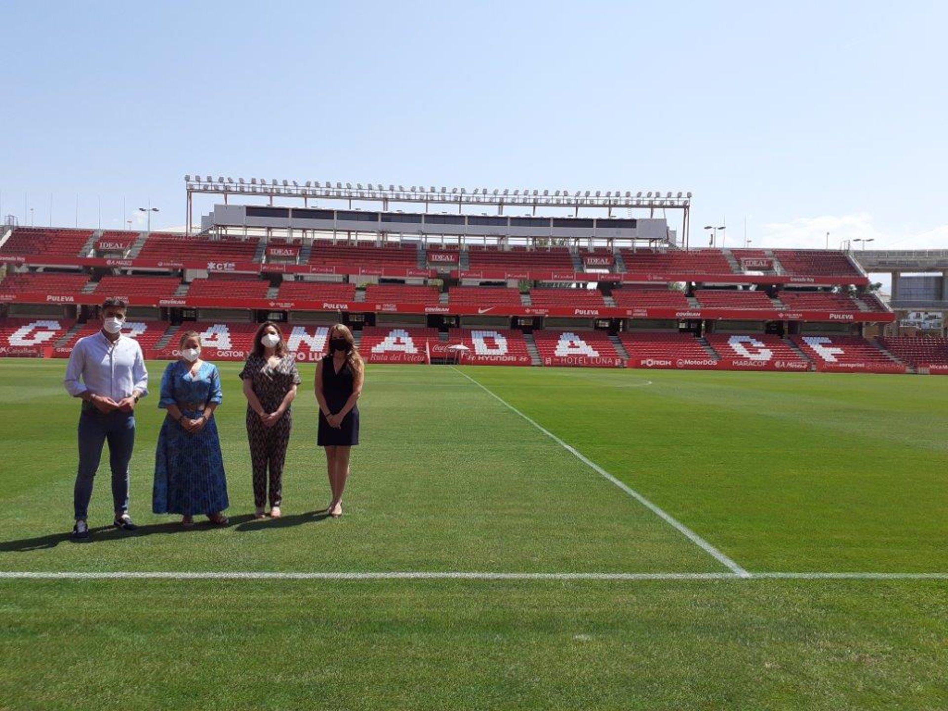El IAJ acercará a los jóvenes en la formación laboral dentro del fútbol junto al Granada CF