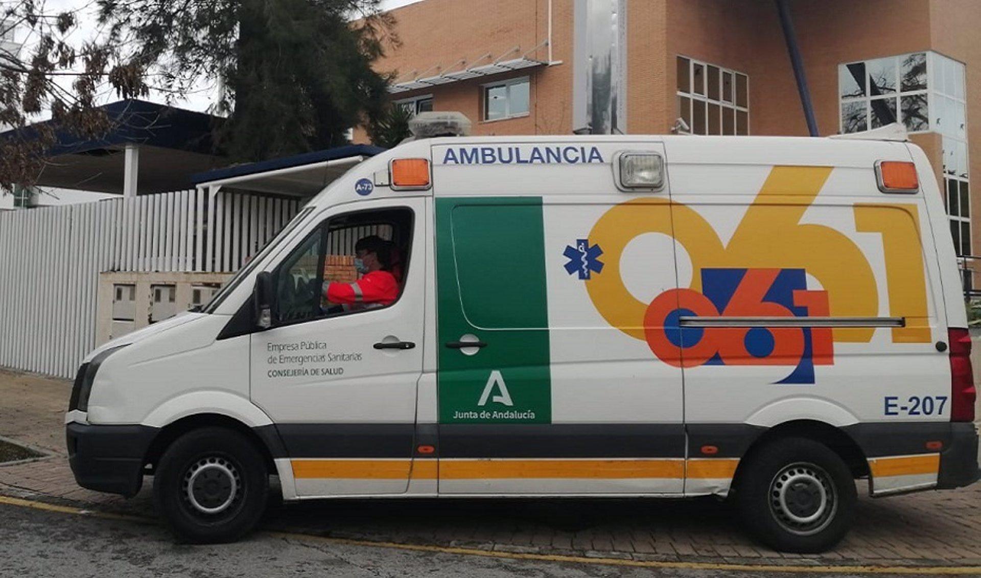 Mueren tres jóvenes de entre 18 y 20 años al salirse su vehículo de la carretera en Arenas del Rey