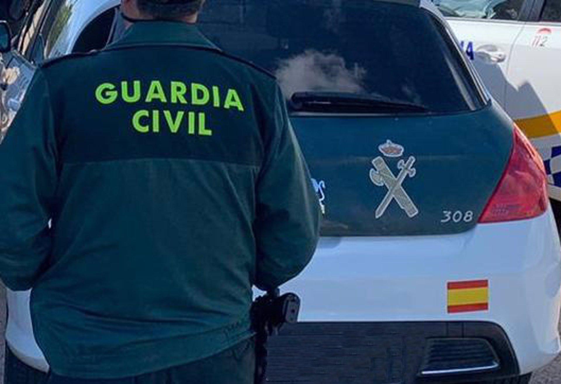 Dos detenidos y 468 plantas intervenidas tras desarticular un centro de producción de marihuana en Salobreña