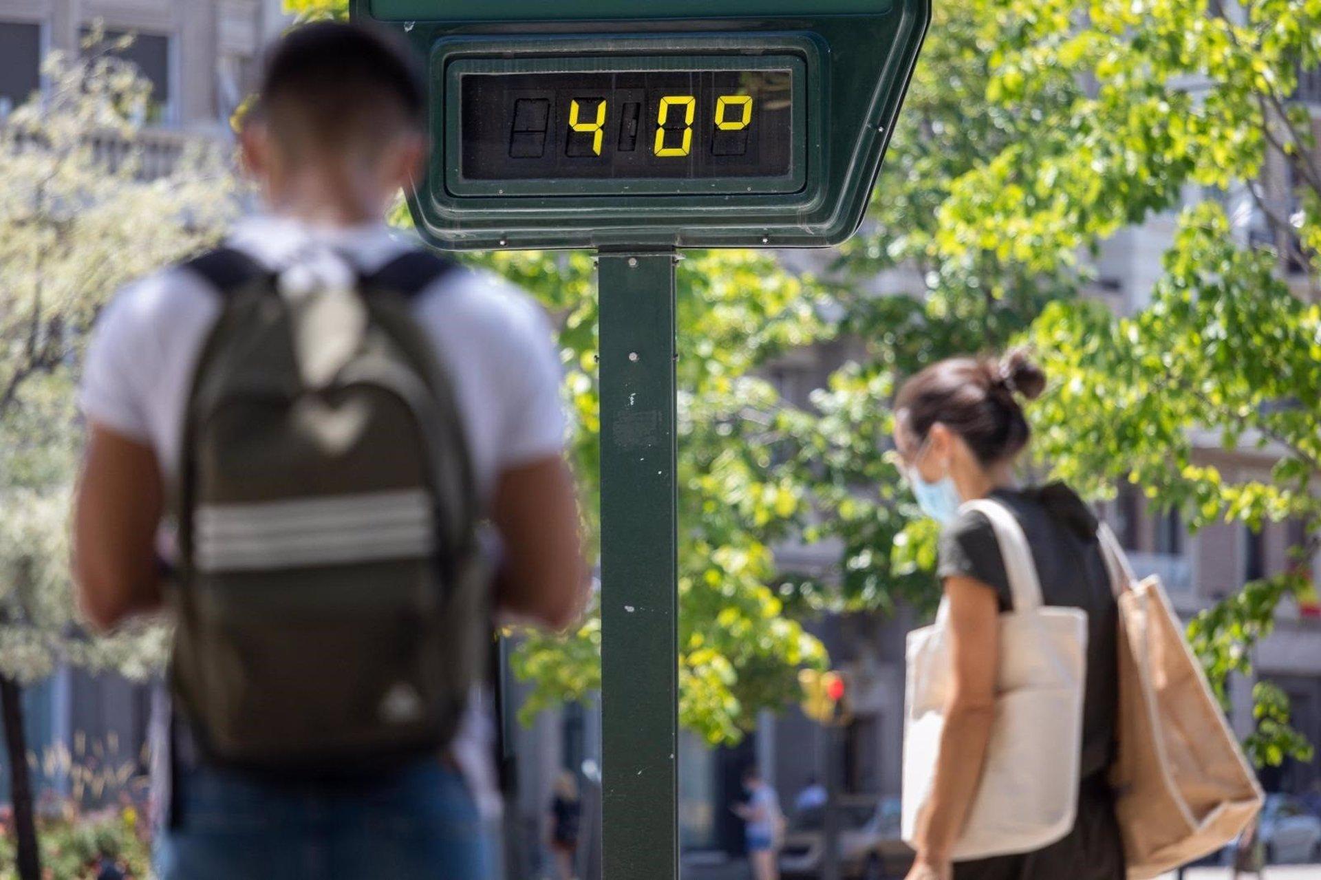 Protección Civil pide «extremar las precauciones» ante la primera ola de calor del verano de 2021