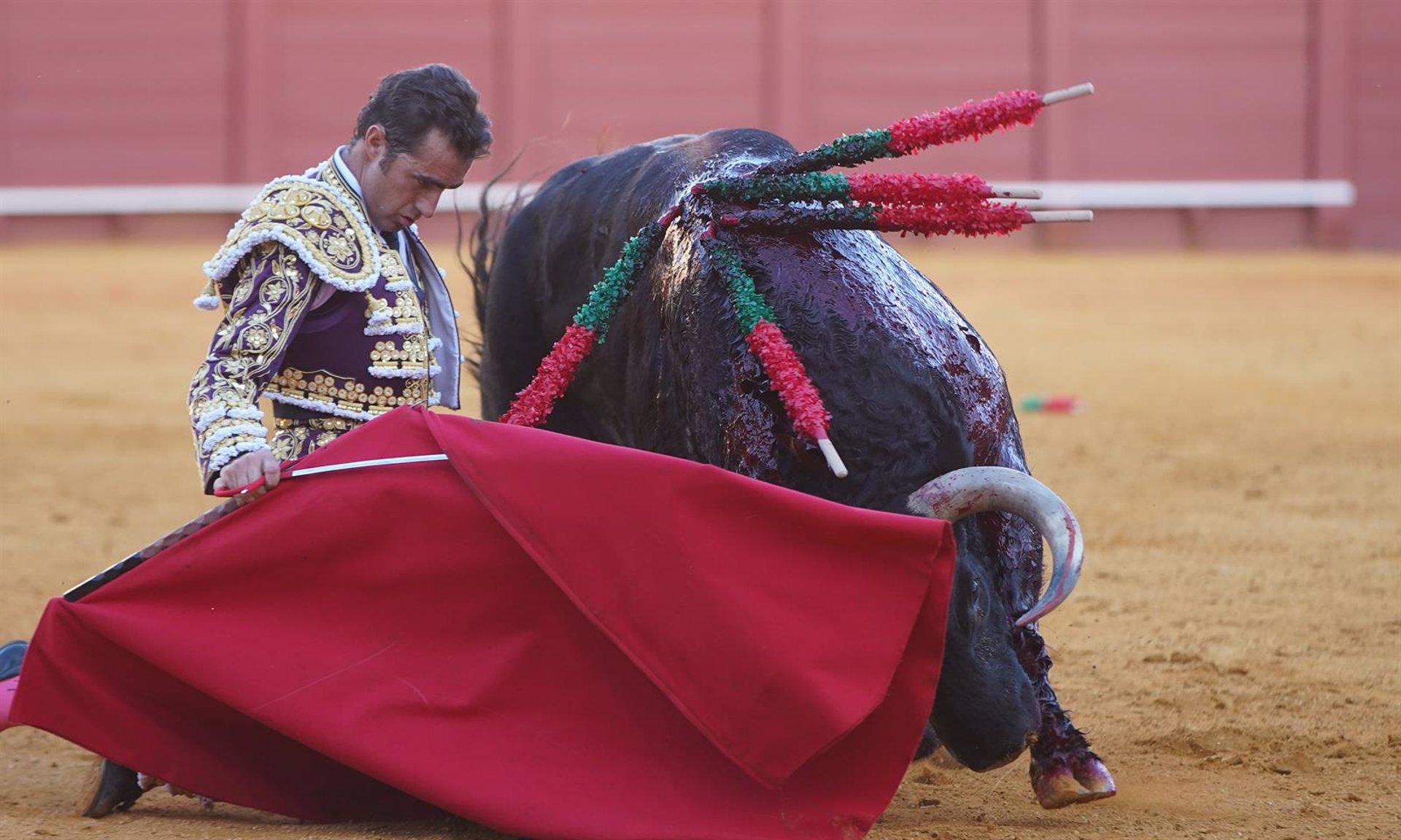 La Plaza de Toros de Baza anuncia corrida de El Fandi, Manzanares y Ureña para el 12 de septiembre