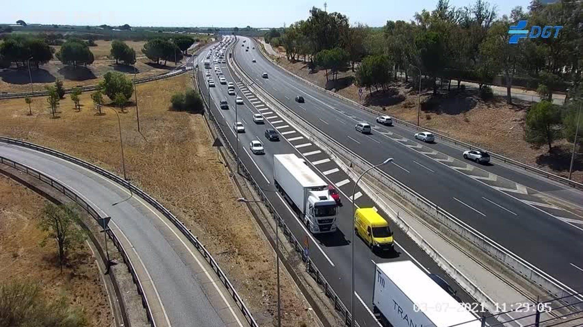Tráfico prevé casi un millón de desplazamientos en las carreteras andaluzas este fin de semana por la operación retorno