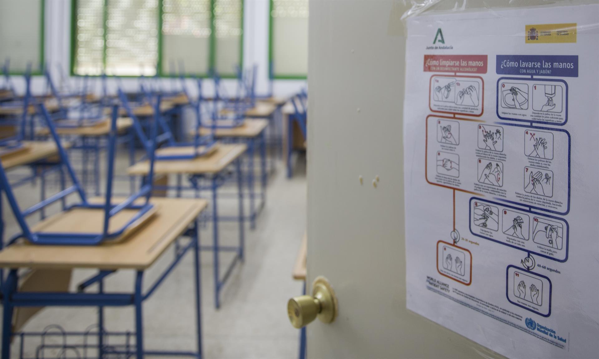 El PSOE-A reclama «un esfuerzo» a la Junta para repetir los 8.000 docentes de refuerzo y pide concretar el reparto