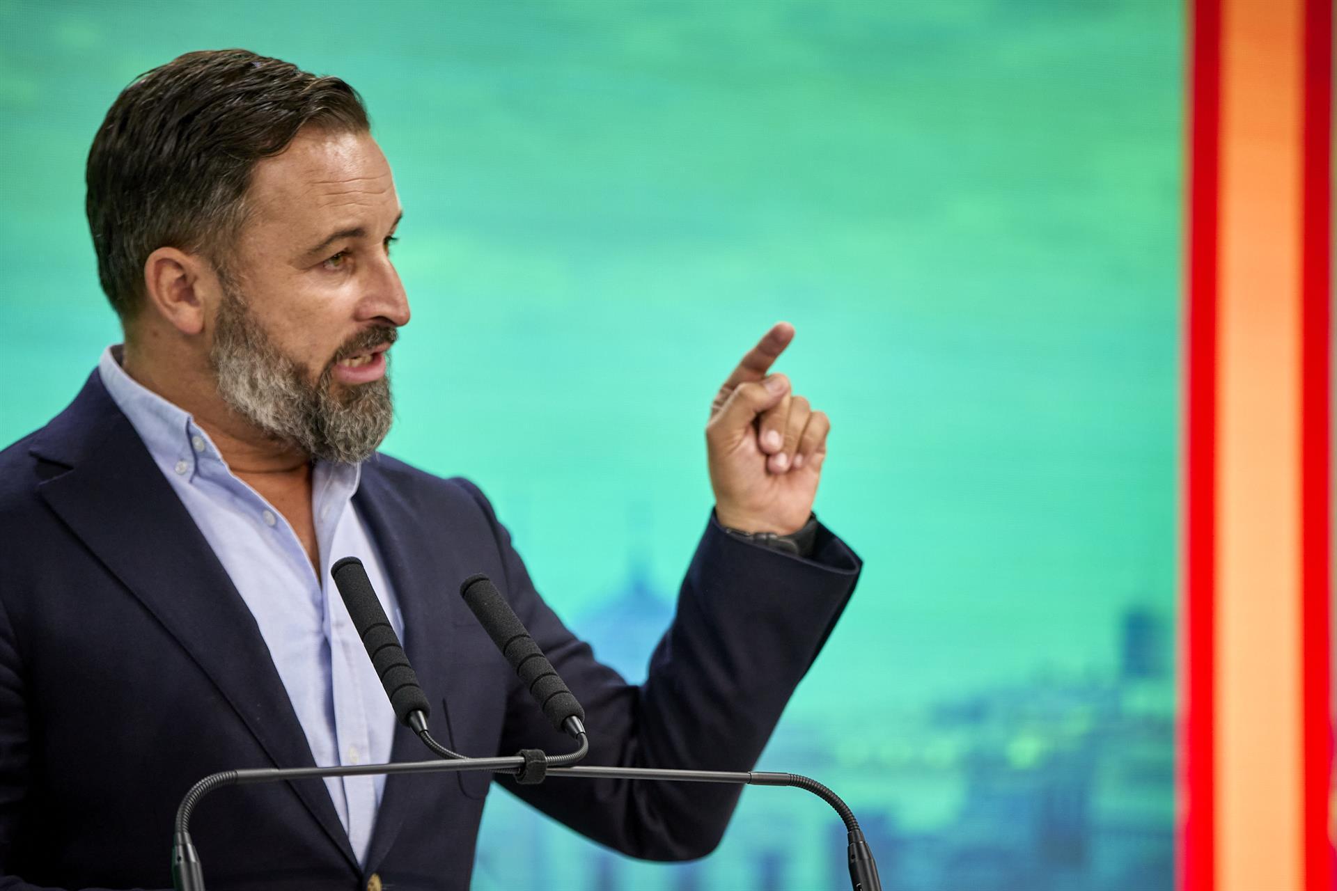 Abascal urge a Moreno a cumplir el acuerdo de investidura o convocar elecciones y habla de «roto todo contacto»