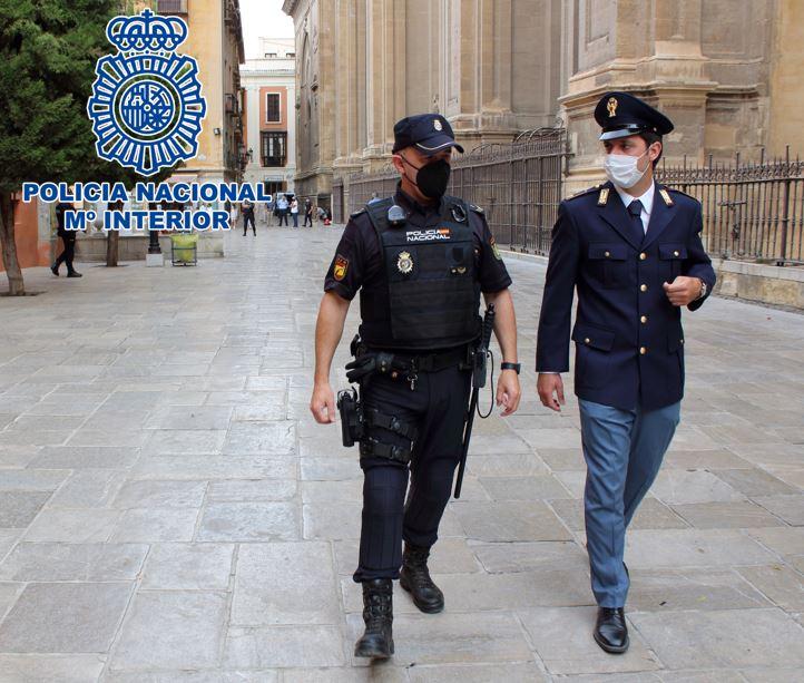 Policías de Francia e Italia refuerzan la seguridad de las zonas turísticas