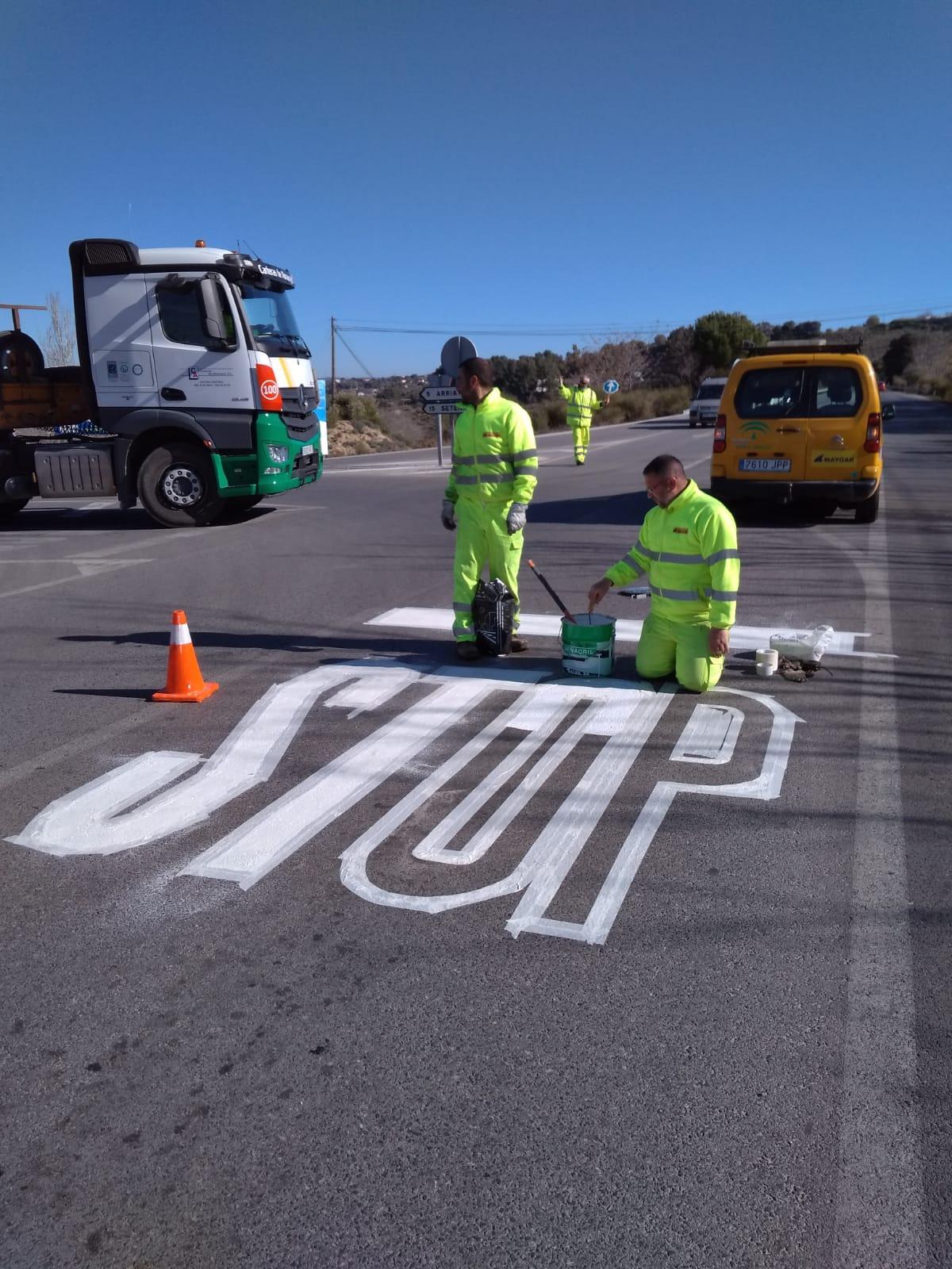 La Junta destina más de 30 millones a mejorar la señalización y el balizamiento de su red viaria
