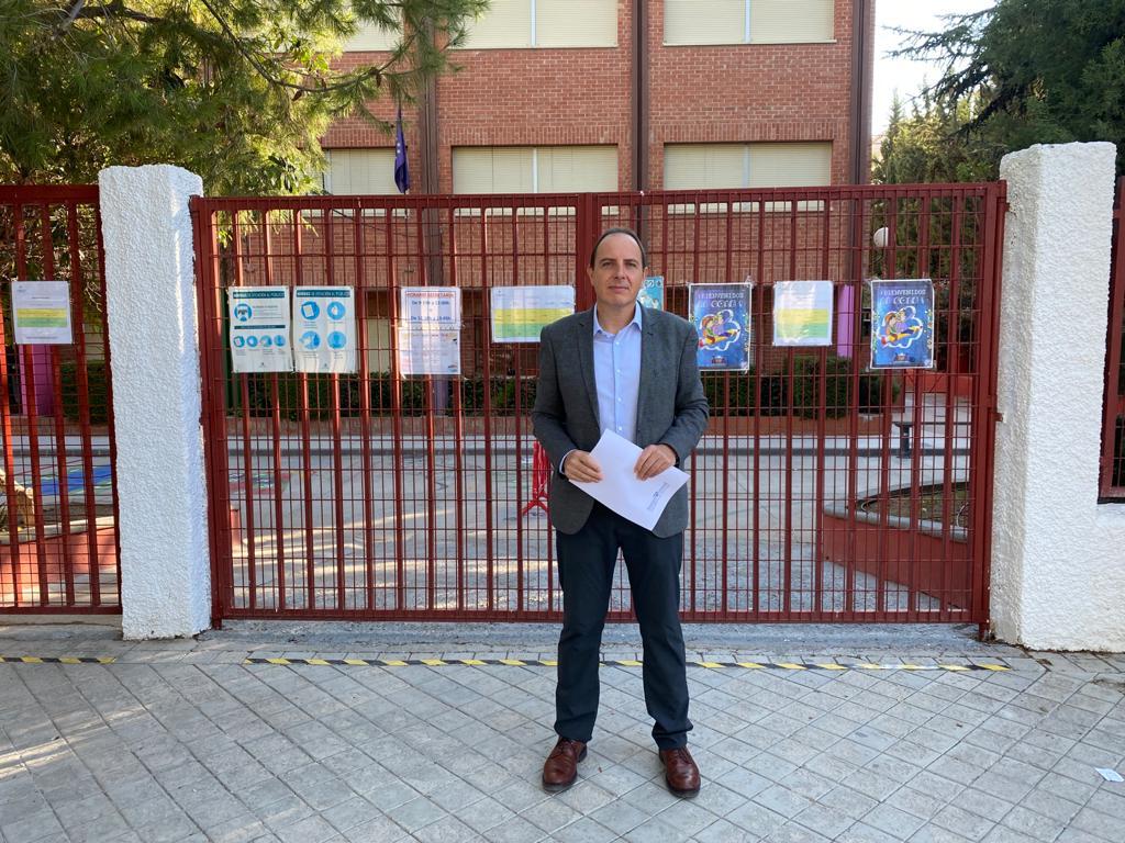 Francisco Ocaña (VOX) insiste en que las mascarillas no sean obligatorias en las aulas para menores de 12 años
