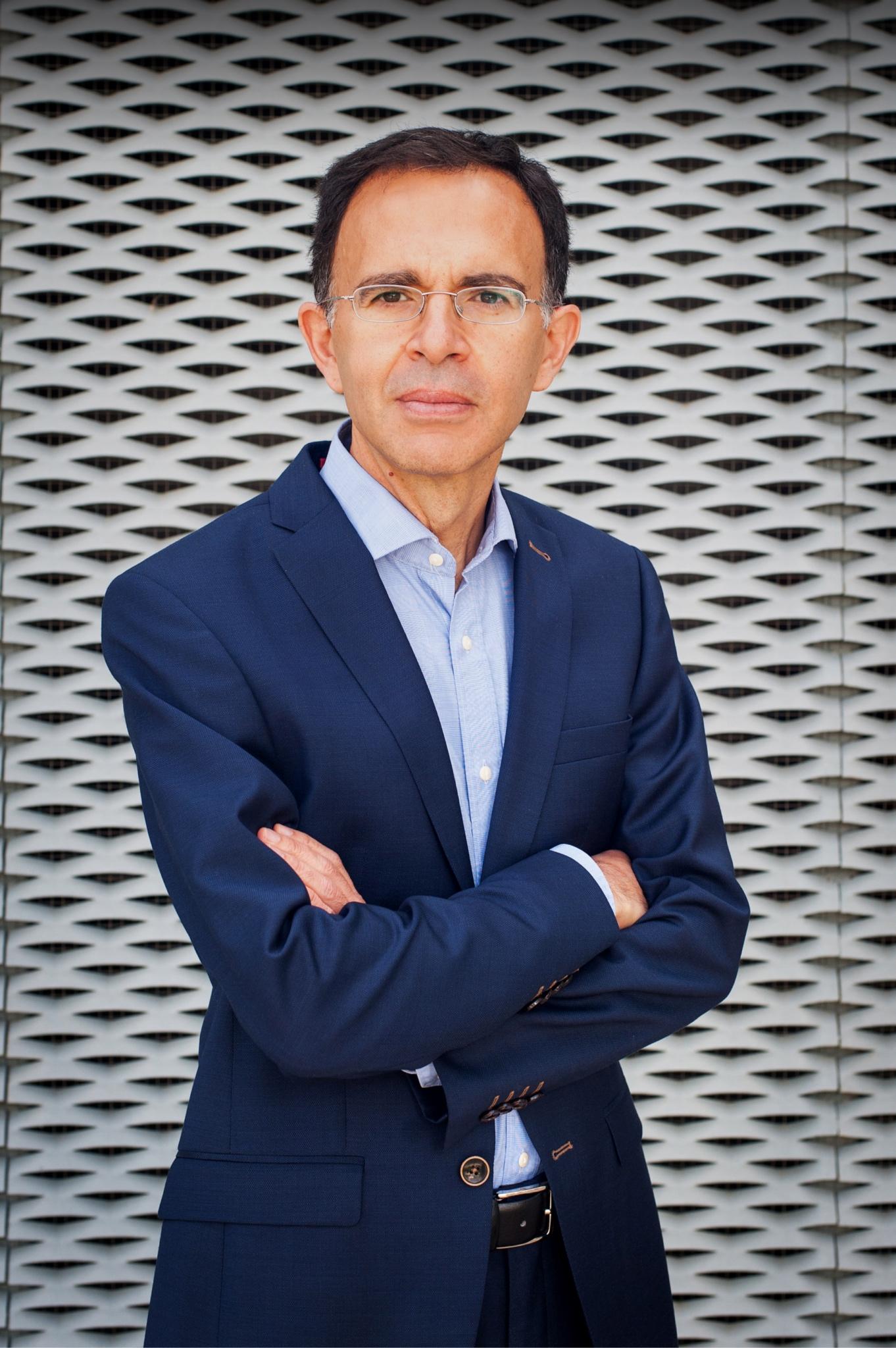 La Academy of Management premia al profesor de la Universidad de Granada Alberto Aragón por su trayectoria investigadora sobre gestión ambiental