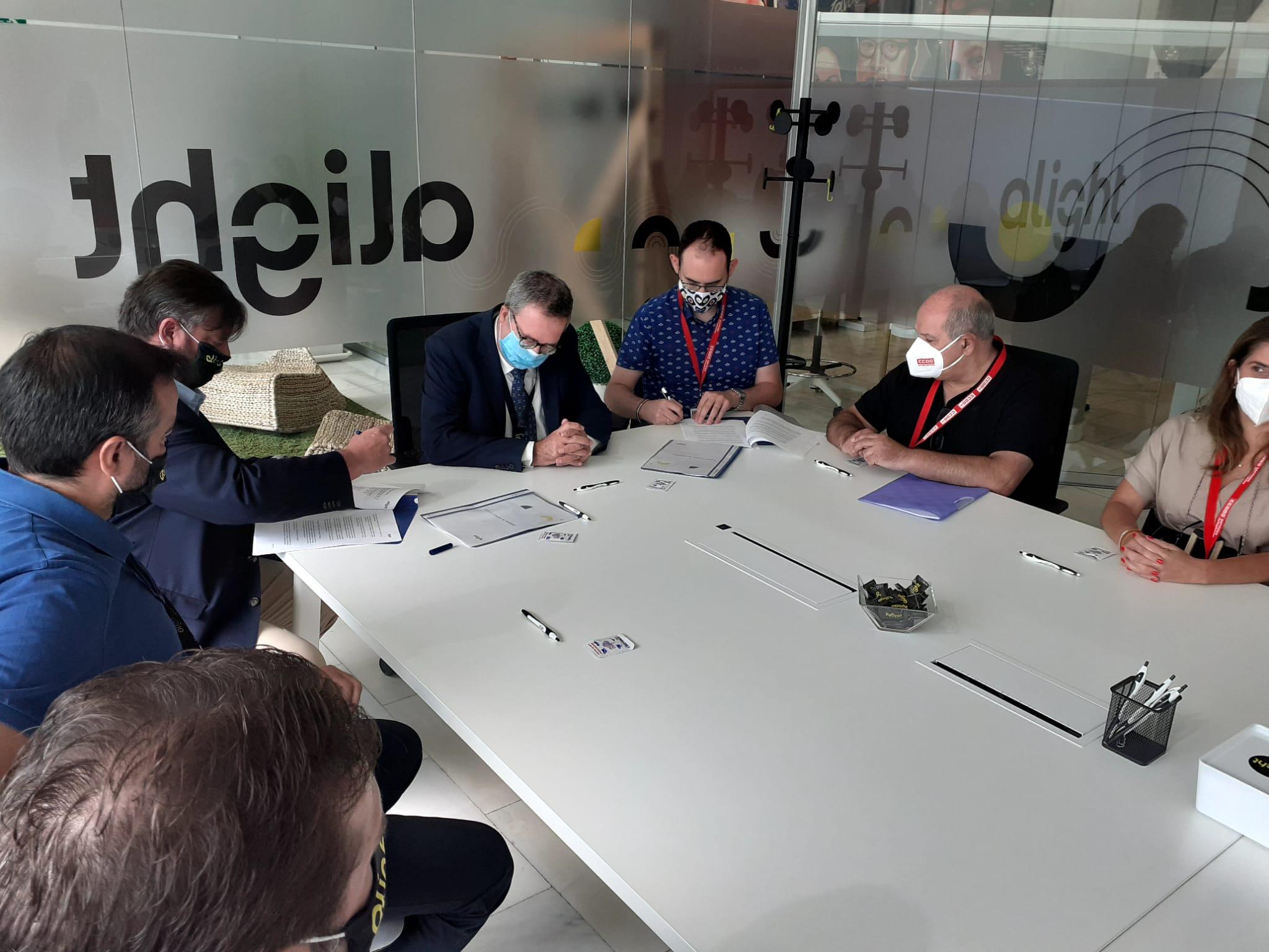 CCOO firma un convenio pionero en el ámbito del teletrabajo con Alight Solutions
