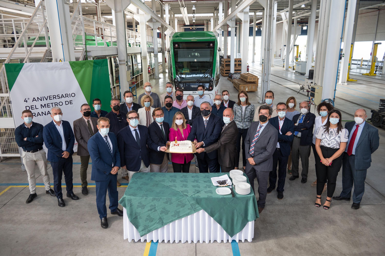 Los ocho trenes nuevos del Metro de Granada aumentarán su capacidad en un 40%