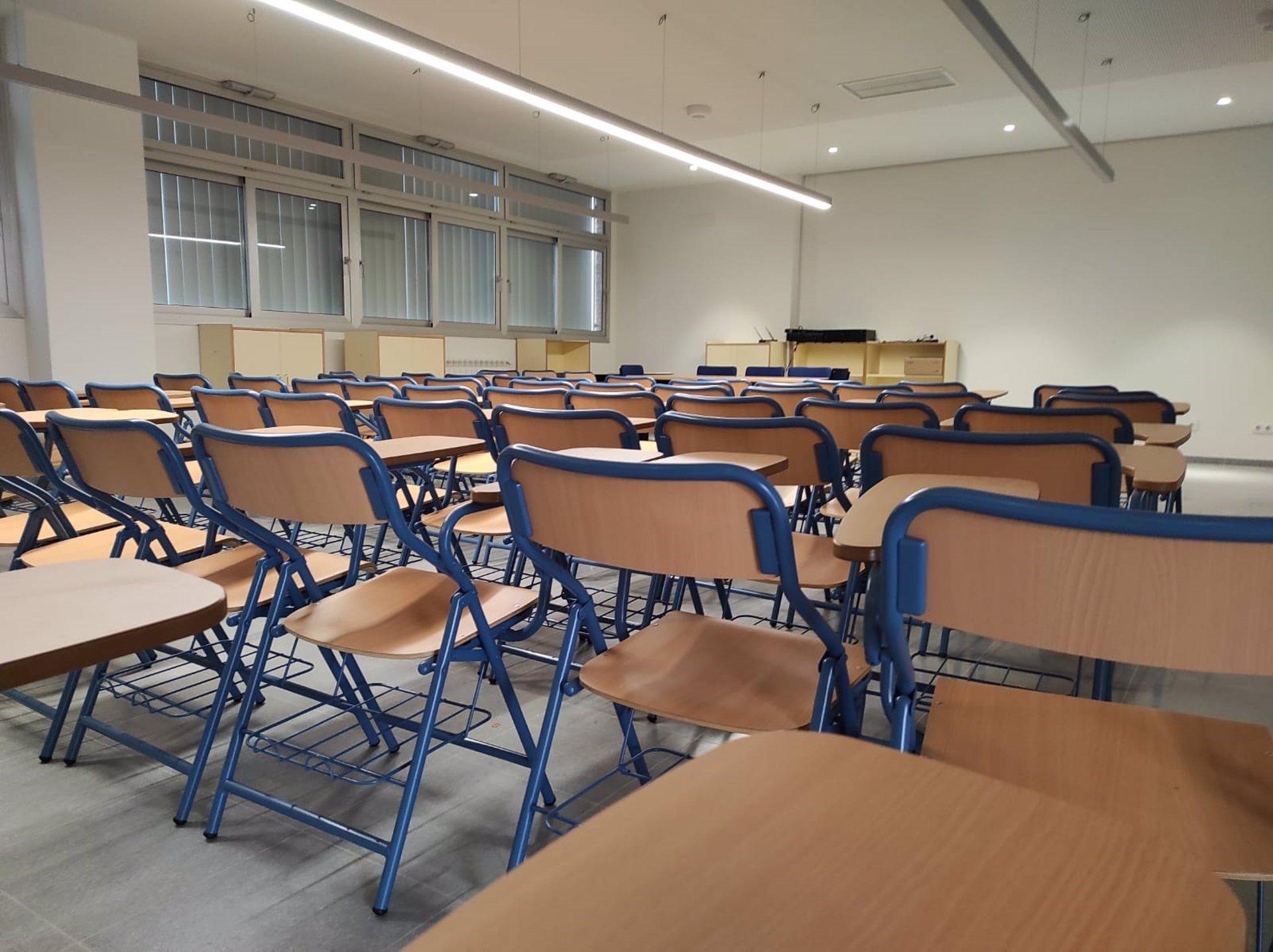 UGT «velará» para que se cubran todas las plazas de la ampliación docente y CSIF insta a «no bajar la guardia»
