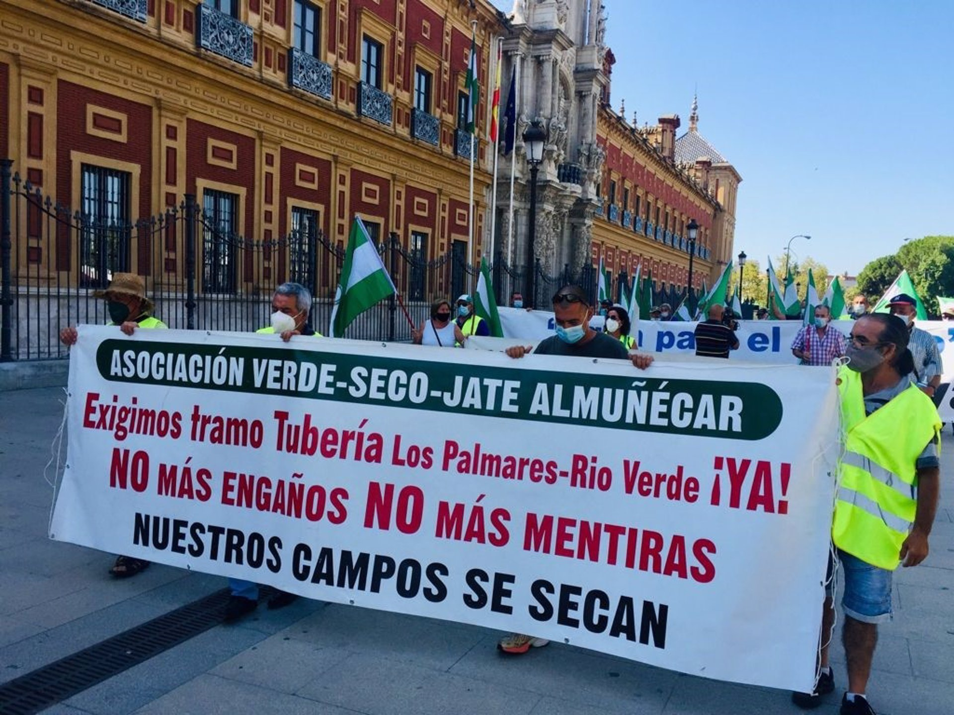 Agricultores se concentran este miércoles ante Transición Ecológica en Madrid por las conducciones de Rules