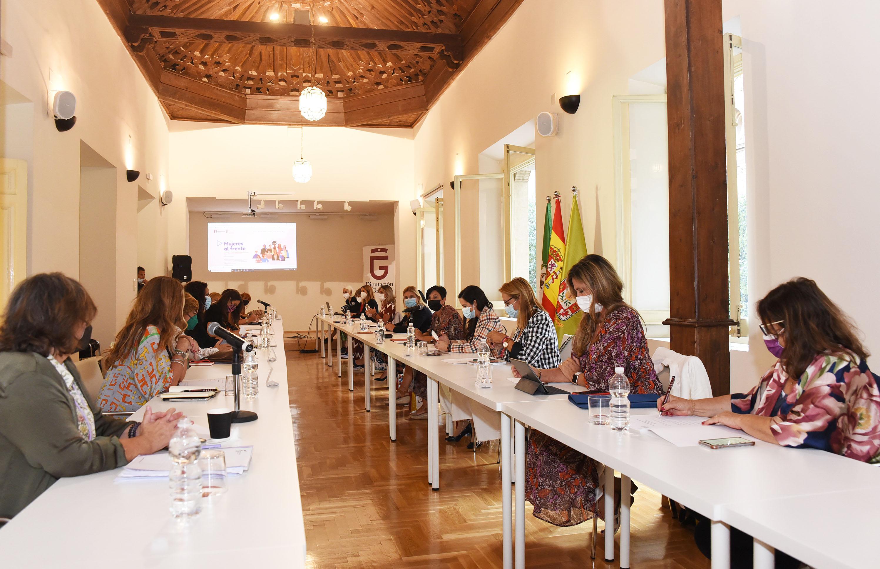 Las diputadas andaluzas de igualdad se reúnen en Granada para coordinar la celebración del 25N