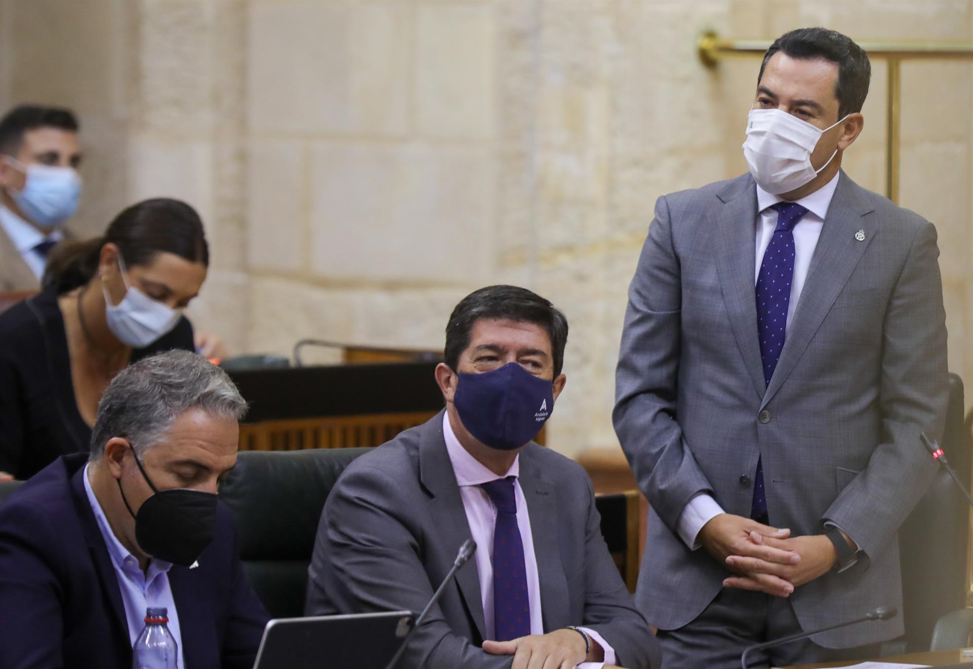 Moreno pide a Vox «cooperación en vez de elecciones» y Gavira replica que Junta «empieza a ser problema y no solución»