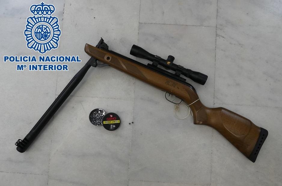 Un detenido en Motril por amenazar y disparar contra otras personas con una escopeta de perdigones