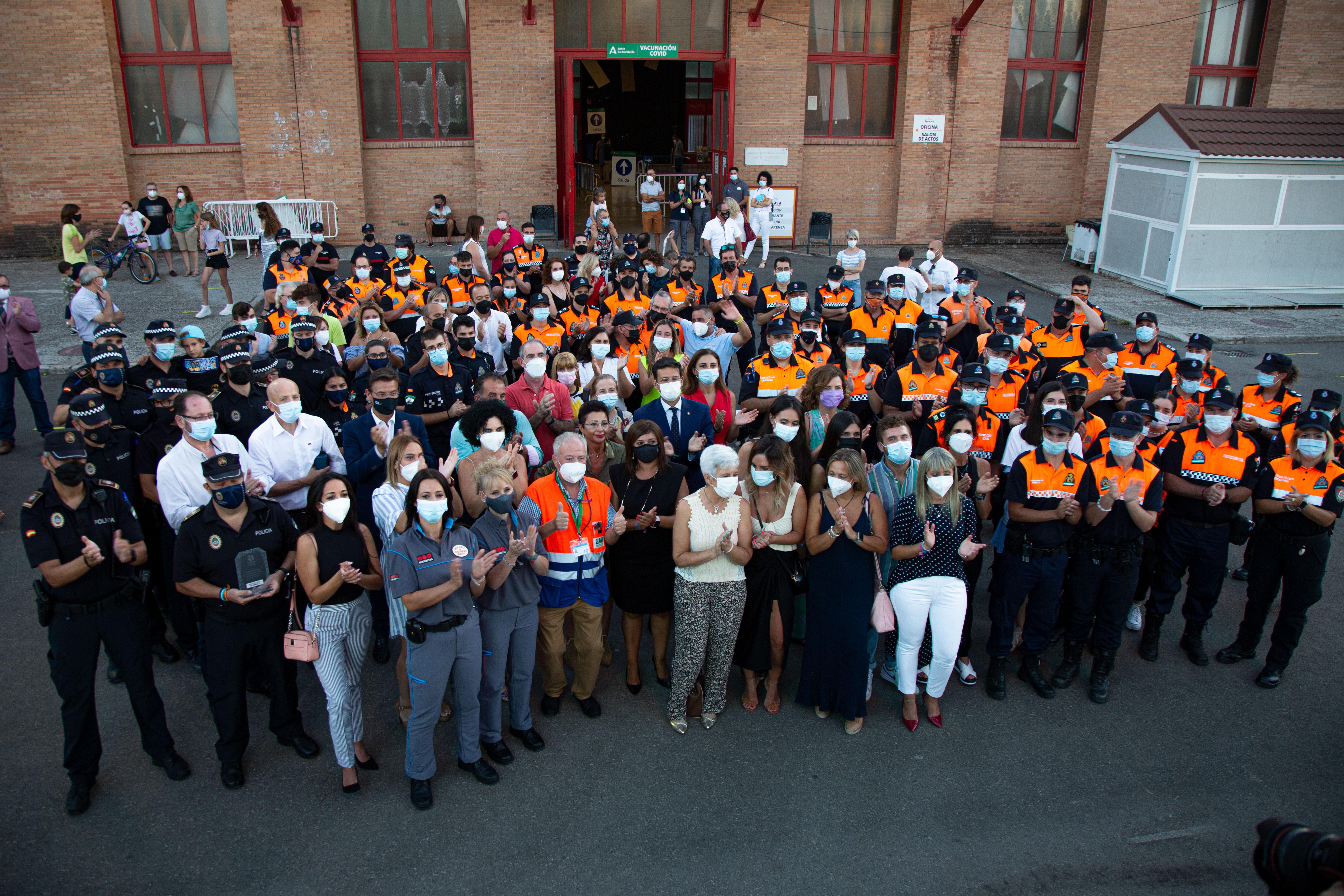 Un homenaje a los colectivos que han participado en el proceso de vacunación pone un emotivo cierre al vacunódromo de Fermasa