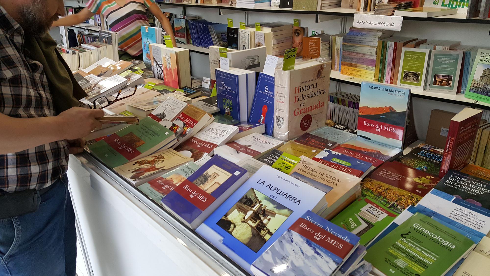 La Editorial Universidad de Granada participa intensamente durante la Feria del Libro 2021