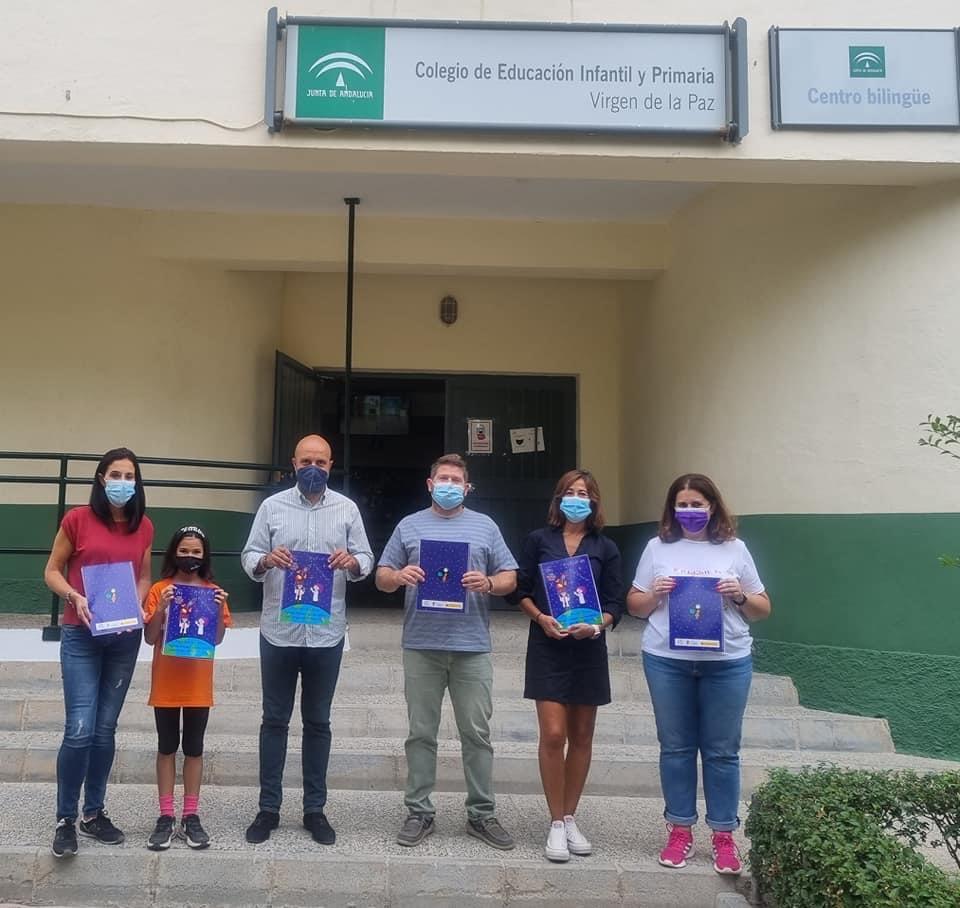 Otura dedica su agenda escolar a la 'academia espacial' del colegio 'Virgen de la Paz'
